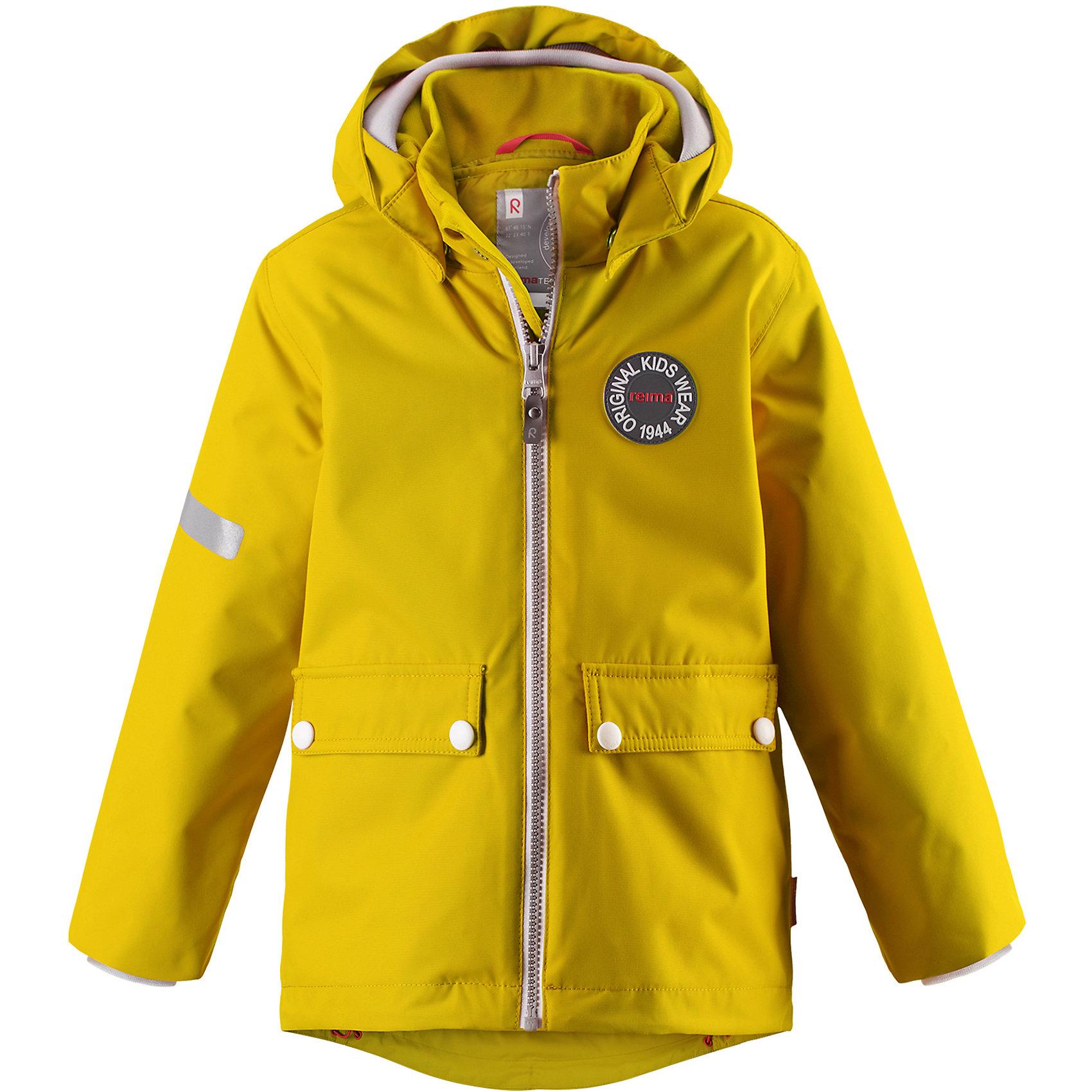 Куртка Taag Reimatec® ReimaВерхняя одежда<br>Характеристики товара:<br><br>• цвет: желтый;<br>• состав: 100% полиэстер;<br>• утеплитель: 140 г/м2;<br>• сезон: демисезон, зима;<br>• температурный режим: от +10 до -10С;<br>• водонепроницаемость: 10000 мм;<br>• воздухопроницаемость: 10000 мм;<br>• износостойкость: 30000 циклов (тест Мартиндейла);<br>• водо и ветронепроницаемый, дышащий и грязеотталкивающий материал;<br>• все швы проклеены и водонепроницаемы;<br>• безопасный съемный капюшон на кнопках;<br>• застежка: молния с защитой подбородка от защемления;<br>• съемная стеганая подкладка;<br>• мягкая резинка на кромке капюшона и манжетах;<br>• регулируемый подол;<br>• два накладных кармана на кнопках;<br>• логотип Reima® спереди;<br>• светоотражающие элементы;<br>• страна бренда: Финляндия;<br>• страна производства: Китай.<br><br>Демисезонная куртка с капюшоном, в ней дождь не страшен – все основные швы проклеены, водонепроницаемы. Куртка на молнии со съемной стеганой подкладкой – незаменимая вещь для осенней поры а когда похолодает, просто подденьте теплый промежуточный слой и куртка превратиться в отличный зимний вариант. <br><br>Подол в этой куртке прямого покроя легко регулируется, что позволяет подогнать ее идеально по фигуре. Большие карманы с клапанами и светоотражающие детали, вместе с мягкой резинкой на манжетах и по краю капюшона они придают образу изюминку.<br><br>Куртка Taag Reimatec® Reima (Рейма) можно купить в нашем интернет-магазине.<br><br>Ширина мм: 356<br>Глубина мм: 10<br>Высота мм: 245<br>Вес г: 519<br>Цвет: желтый<br>Возраст от месяцев: 72<br>Возраст до месяцев: 84<br>Пол: Унисекс<br>Возраст: Детский<br>Размер: 122,128,134,140,104,110,116<br>SKU: 6907728