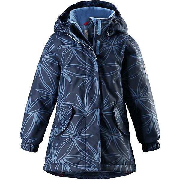 Куртка Reimatec® Reima Jousi для девочкиОдежда<br>Характеристики товара:<br><br>• цвет: синий;<br>• состав: 100% полиэстер;<br>• подкладка: 100% полиэстер;<br>• утеплитель: 160 г/м2<br>• температурный режим: от 0 до -20С;<br>• сезон: зима; <br>• водонепроницаемость: 8000 мм;<br>• воздухопроницаемость: 7000 мм;<br>• износостойкость: 30000 циклов (тест Мартиндейла);<br>• водо- и ветронепроницаемый, дышащий и грязеотталкивающий материал;<br>• основные швы проклеены и не пропускают влагу;<br>• гладкая подкладка из полиэстера;<br>• эластичные манжеты;<br>• застежка: молния с защитой подбородка;<br>• безопасный съемный капюшон на кнопках;<br>• регулируемый обхват талии и подол;<br>• два кармана на кнопках;<br>• светоотражающие детали;<br>• страна бренда: Финляндия;<br>• страна изготовитель: Китай.<br><br>Детская зимняя куртка Reimatec® изготовлена из износостойкого, водо и ветронепроницаемого, дышащего материала с водо и грязеотталкивающей поверхностью. Основные швы в куртке проклеены и водонепроницаемы, поэтому неожиданный снегопад или дождь не помешает веселым играм на свежем воздухе! Эта куртка с подкладкой из гладкого полиэстера легко надевается, и ее очень удобно носить.<br><br>Благодаря регулируемой талии и подолу эта куртка прямого кроя отлично сидит по фигуре. Капюшон снабжен кнопками. Это обеспечивает дополнительную безопасность во время активных прогулок – капюшон легко отстегивается, если случайно за что-нибудь зацепится. Эластичные манжеты, два передних кармана с клапанами и светоотражающие детали.<br><br>Куртку Jousi для девочки Reimatec® Reima от финского бренда Reima (Рейма) можно купить в нашем интернет-магазине.<br>Ширина мм: 356; Глубина мм: 10; Высота мм: 245; Вес г: 519; Цвет: синий; Возраст от месяцев: 108; Возраст до месяцев: 120; Пол: Женский; Возраст: Детский; Размер: 140,104,110,116,122,128,134; SKU: 6907824;