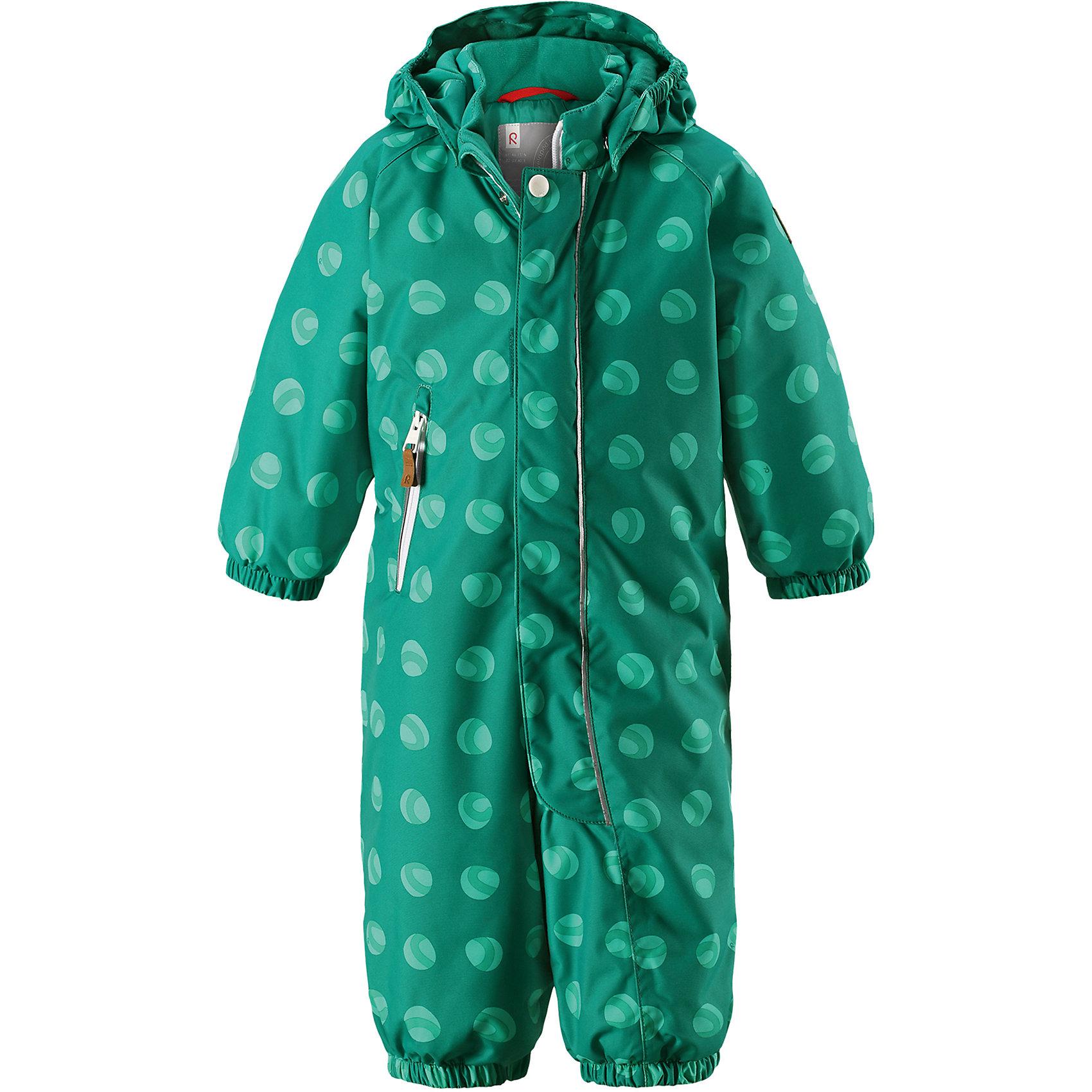 Комбинезон Reima Reimatec® PuhuriВерхняя одежда<br>Характеристики товара:<br><br>• цвет: зеленый<br>• состав: 100% полиэстер<br>• утеплитель: 160 г/м2 (soft loft insulation)<br>• сезон: зима<br>• температурный режим: от 0 до -20С<br>• водонепроницаемость: 8000 мм<br>• воздухопроницаемость: 10000 мм<br>• износостойкость: 30000 циклов (тест Мартиндейла)<br>• особенности модели: с рисунком<br>• основные швы проклеены и не пропускают влагу<br>• водо- и ветронепроницаемый, дышащий и грязеотталкивающий материал<br>• утепленная задняя часть изделия<br>• гладкая подкладка из полиэстера<br>• безопасный, съемный капюшон<br>• защита подбородка от защемления<br>• эластичные манжеты и штанины<br>• внутренняя регулировка обхвата талии<br>• съемные эластичные штрипки <br>• длинная молния для легкого надевания<br>• карман на молнии<br>• светоотражающие детали<br>• страна бренда: Финляндия<br>• страна изготовитель: Китай<br><br>Зимний комбинезон на молнии для малышей! Основные швы комбинезона проклеены, а сам он изготовлен из водо и ветронепроницаемого, грязеотталкивающего материала. Утепленная задняя часть обеспечит дополнительное утепление во время игр в снегу.<br><br>Гладкая подкладка и длинная молния облегчают надевание, а талия в комбинезоне регулируется. Маленький карман на молнии надежно сохранит все сокровища. Зимний комбинезон с капюшоном для мальчика декорирован рисунком с мячиками.<br><br>Комбинезон Puhuri Reimatec® Reima от финского бренда Reima (Рейма) можно купить в нашем интернет-магазине.<br><br>Ширина мм: 356<br>Глубина мм: 10<br>Высота мм: 245<br>Вес г: 519<br>Цвет: зеленый<br>Возраст от месяцев: 24<br>Возраст до месяцев: 36<br>Пол: Унисекс<br>Возраст: Детский<br>Размер: 98,74,80,86,92<br>SKU: 6908086