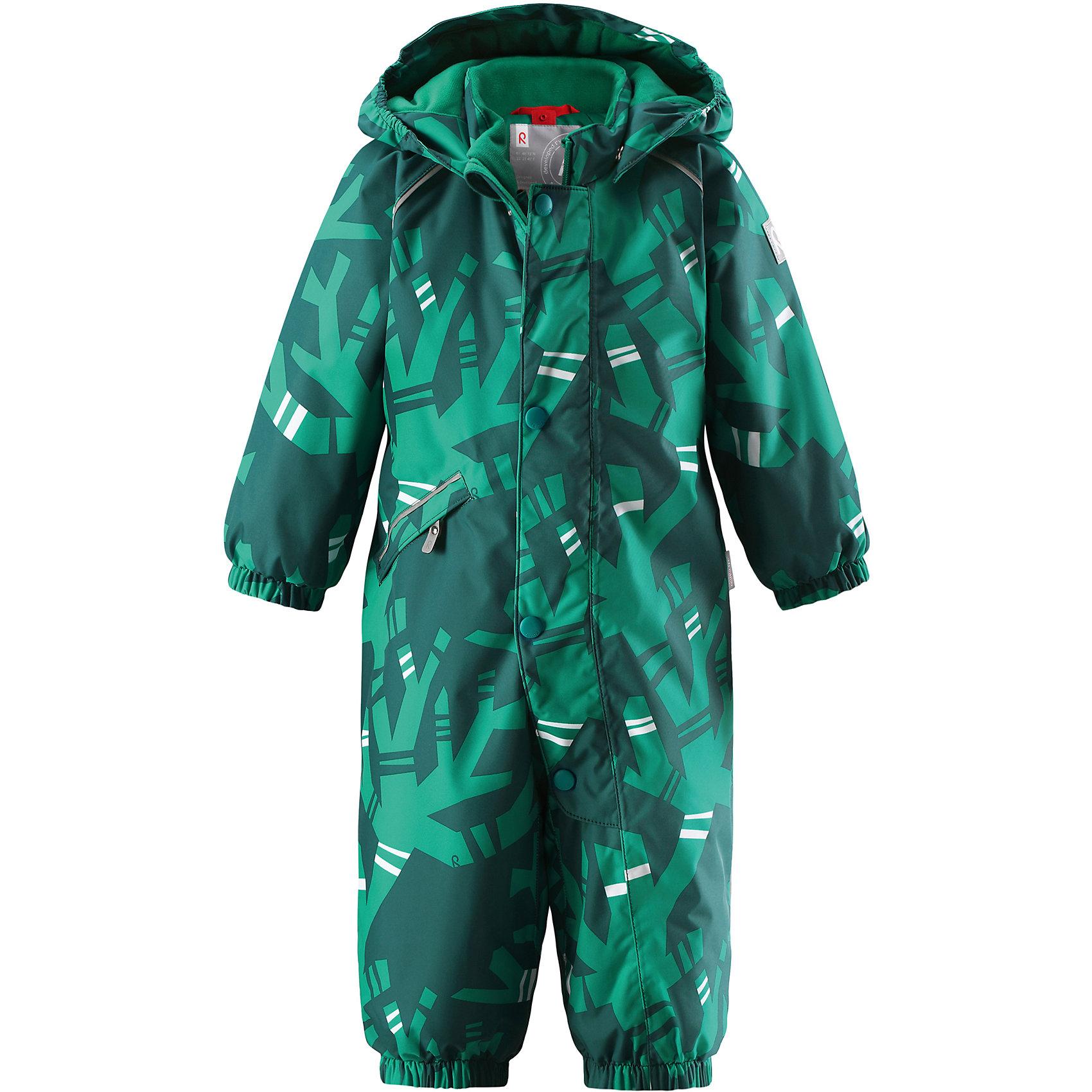 Комбинезон Reima Reimatec® Suo для мальчикаОдежда<br>Характеристики товара:<br><br>• цвет: зеленый<br>• состав: 100% полиэстер<br>• утеплитель: 160 г/м2 (soft loft insulation)<br>• сезон: зима<br>• температурный режим: от 0 до -20С<br>• водонепроницаемость: 15000 мм<br>• воздухопроницаемость: 7000 мм<br>• износостойкость: 35000 циклов (тест Мартиндейла)<br>• особенности модели: с рисунком<br>• основные швы проклеены и не пропускают влагу<br>• водо- и ветронепроницаемый, дышащий и грязеотталкивающий материал<br>• утепленная задняя часть изделия<br>• гладкая подкладка из полиэстера<br>• безопасный, съемный, регулируемый капюшон<br>• защита подбородка от защемления<br>• эластичные манжеты и штанины<br>• эластичная талия<br>• съемные эластичные штрипки <br>• длинная молния для легкого надевания<br>• дополнительная планка с кнопками<br>• карман на молнии<br>• светоотражающие детали<br>• страна бренда: Финляндия<br>• страна изготовитель: Китай<br><br>Зимний комбинезон на молнии для мальчика! Основные швы комбинезона проклеены, а сам он изготовлен из водо и ветронепроницаемого, грязеотталкивающего материала. Утепленная задняя часть обеспечит дополнительное утепление во время игр в снегу.<br><br>Гладкая подкладка и длинная молния облегчают надевание. Маленький карман на молнии надежно сохранит все сокровища. Обратите внимание: комбинезон можно сушить в сушильной машине. Зимний комбинезон с капюшоном для мальчика декорирован абстрактным рисунком.<br><br>Комбинезон Suo для мальчика Reimatec® Reima от финского бренда Reima (Рейма) можно купить в нашем интернет-магазине.<br><br>Ширина мм: 356<br>Глубина мм: 10<br>Высота мм: 245<br>Вес г: 519<br>Цвет: зеленый<br>Возраст от месяцев: 6<br>Возраст до месяцев: 9<br>Пол: Мужской<br>Возраст: Детский<br>Размер: 74,98,92,86,80<br>SKU: 6908122