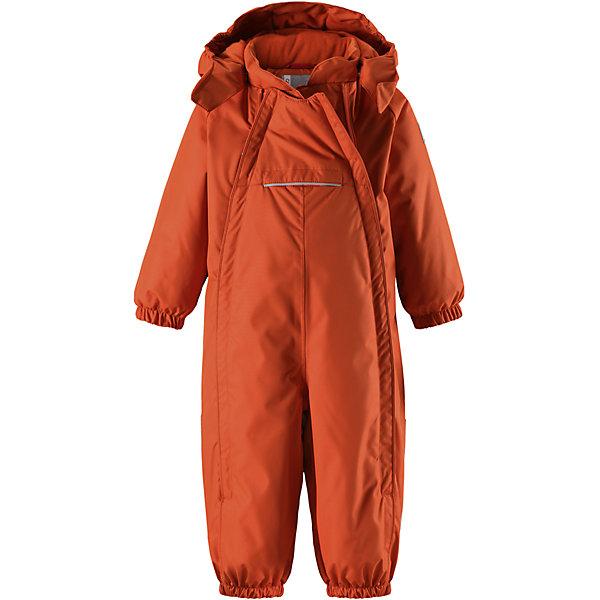 Комбинезон Reima Reimatec® CopenhagenВерхняя одежда<br>Характеристики товара:<br><br>• цвет: оранжевый <br>• состав: 100% полиэстер<br>• утеплитель: 100% полиэстер, 160 г/м2 (soft loft insulation)<br>• сезон: зима<br>• температурный режим: от 0 до -20С<br>• водонепроницаемость: 15000 мм<br>• воздухопроницаемость: 7000 мм<br>• износостойкость: 40000 циклов (тест Мартиндейла)<br>• особенности модели: однотонный, с двойной молнией<br>• основные швы проклеены и не пропускают влагу<br>• водо- и ветронепроницаемый, дышащий и грязеотталкивающий материал<br>• утепленная задняя часть изделия<br>• гладкая подкладка из полиэстера<br>• безопасный, съемный капюшон на кнопках<br>• защита подбородка от защемления<br>• эластичные манжеты и штанины<br>• эластичная резинка по краю капюшона<br>• эластичная талия<br>• съемные эластичные штрипки <br>• длинная двойная молния для легкого надевания<br>• передний карман на молнии<br>• светоотражающие детали<br>• страна бренда: Финляндия<br>• страна изготовитель: Китай<br><br>Стильный, зимний комбинезон на молнии Reimatec® в котором дети могут гулять целый день и при этом не намокнуть. Водо и ветронепроницаемый комбинезон изготовлен из прочного, дышащего материала.<br><br>Благодаря двум молниям во всю длину, этот комбинезон легко надевается, а утепленная задняя часть обеспечит сухость во время зимних забав. Передний карман на молнии. Съемный капюшон обеспечит защиту от пронизывающего ветра и безопасность во время игр на свежем воздухе. <br><br>Кнопки легко отстегиваются, если капюшон случайно за что-нибудь зацепится. По краю капюшон снабжен эластичной резинкой. Зимний комбинезон с капюшоном очень прост в уходе, кроме того, его можно сушить в сушильной машине.<br><br>Комбинезон Copenhagen Reimatec® Reima от финского бренда Reima (Рейма) можно купить в нашем интернет-магазине.<br><br>Ширина мм: 356<br>Глубина мм: 10<br>Высота мм: 245<br>Вес г: 519<br>Цвет: оранжевый<br>Возраст от месяцев: 6<br>Возраст до месяцев: 9<br>Пол: Унисекс<br>Возраст: 