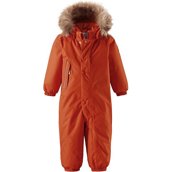 Комбинезон Reima Reimatec® GotlandОдежда<br>Характеристики товара:<br><br>• цвет: оранжевый <br>• состав: 100% полиэстер<br>• утеплитель: 100% полиэстер, 160 г/м2 (soft loft insulation)<br>• сезон: зима<br>• температурный режим: от 0 до -20С<br>• водонепроницаемость: 15000 мм<br>• воздухопроницаемость: 7000 мм<br>• износостойкость: 40000 циклов (тест Мартиндейла)<br>• особенности модели: однотонный, с мехом<br>• основные швы проклеены и не пропускают влагу<br>• водо- и ветронепроницаемый, дышащий и грязеотталкивающий материал<br>• утепленная задняя часть изделия<br>• гладкая подкладка из полиэстера<br>• безопасный, съемный капюшон на кнопках<br>• съемный искусственный мех на капюшоне<br>• защита подбородка от защемления<br>• эластичные манжеты и штанины<br>• эластичная талия<br>• съемные эластичные штрипки <br>• длинная молния для легкого надевания<br>• дополнительная планка на кнопках<br>• карман на молнии<br>• светоотражающие детали<br>• система кнопок Play Layers®<br>• страна бренда: Финляндия<br>• страна изготовитель: Китай<br><br>Классический зимний комбинезон на молнии для малышей очень прост в уходе и идеально подходит для всех зимних забав. Этот непромокаемый зимний комбинезон изготовлен из дышащего и ветронепроницаемого, а также водо и грязеотталкивающего материала.<br><br>Все швы проклеены, водонепроницаемы, а еще комбинезон снабжен утепленной вставкой на задней части, благодаря которой ребенку будет тепло и сухо во время зимних приключений. Благодаря гладкой подкладке из полиэстера, зимний комбинезон с капюшоном очень легко надевать и удобно носить с теплой одеждой промежуточного слоя. <br><br>Обратите внимание, что с помощью удобной системы кнопок Play Layers® к комбинезону можно присоединять разнообразную одежду промежуточного слоя Reima®. Съемный регулируемый капюшон обеспечивает дополнительную безопасность во время игр на свежем воздухе. <br><br>Кнопки легко отстегиваются, если капюшон случайно за что-нибудь зацепится. Прочные силиконовые штрипки не д