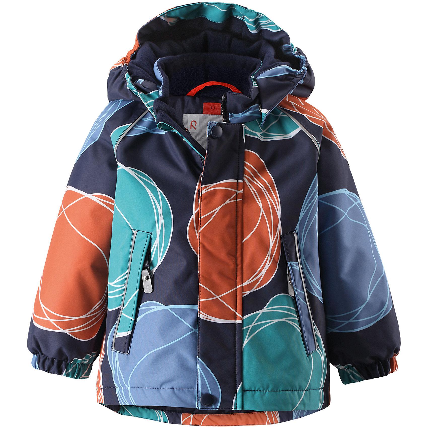 Куртка Reima Reimatec® Kuusi для мальчикаВерхняя одежда<br>Характеристики товара:<br><br>• цвет: синий <br>• состав: 100% полиэстер<br>• утеплитель: 100% полиэстер, 160 г/м2 (soft loft insulation)<br>• сезон: зима<br>• температурный режим: от 0 до -20С<br>• водонепроницаемость: 15000 мм<br>• воздухопроницаемость: 7000 мм<br>• износостойкость: 40000 циклов (тест Мартиндейла)<br>• особенности модели: с рисунком, с мехом<br>• основные швы проклеены и не пропускают влагу<br>• водо- и ветронепроницаемый, дышащий и грязеотталкивающий материал<br>• гладкая подкладка из полиэстера<br>• безопасный, съемный капюшон на кнопках<br>• съемный искусственный мех на капюшоне<br>• защита подбородка от защемления<br>• эластичные манжеты<br>• регулируемый подол<br>• застежка: молния<br>• дополнительная планка на кнопках<br>• два кармана на молнии<br>• светоотражающие детали<br>• страна бренда: Финляндия<br>• страна изготовитель: Китай<br><br>Зимняя куртка с капюшоном для мальчика. Все швы проклеены и водонепроницаемы, а сама она изготовлена из водо и ветронепроницаемого, грязеотталкивающего материала. Гладкая подкладка и длинная застежка на молнии облегчают надевание.<br><br>Съемный капюшон защищает от ветра, к тому же он абсолютно безопасен – легко отстегнется, если вдруг за что-нибудь зацепится. Маленькие карманы на молнии надежно сохранят все сокровища. Обратите внимание: куртку можно сушить в сушильной машине. Зимняя куртка на молнии для мальчика декорирована абстрактным рисунком.<br><br>Куртка Kuusi для мальчика Reimatec® Reima от финского бренда Reima (Рейма) можно купить в нашем интернет-магазине.<br><br>Ширина мм: 356<br>Глубина мм: 10<br>Высота мм: 245<br>Вес г: 519<br>Цвет: зеленый<br>Возраст от месяцев: 24<br>Возраст до месяцев: 36<br>Пол: Мужской<br>Возраст: Детский<br>Размер: 98,80,86,92<br>SKU: 6908255