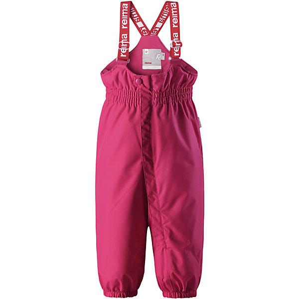 Брюки Reima Reimatec® Stockholm для девочкиВерхняя одежда<br>Характеристики товара:<br><br>• цвет: розовый <br>• состав: 100% полиэстер<br>• утеплитель: 100% полиэстер, 140 г/м2 (comfort insulation)<br>• сезон: зима<br>• температурный режим: от 0 до -20С<br>• водонепроницаемость: 15000 мм<br>• воздухопроницаемость: 7000 мм<br>• износостойкость: 40000 циклов (тест Мартиндейла)<br>• особенности модели: с высокой талией, с подтяжками<br>• все швы проклеены и не пропускают влагу<br>• водо- и ветронепроницаемый, дышащий и грязеотталкивающий материал<br>• ветронепродуваемые <br>• гладкая подкладка из полиэстера<br>• утепленная задняя часть изделия<br>• высокая талия<br>• регулируемые подтяжки<br>• эластичные штанины<br>• съемные эластичные штрипки<br>• застежка: молния<br>• светоотражающие детали<br>• страна бренда: Финляндия<br>• страна изготовитель: Китай<br><br>Зимние брюки на подтяжках. Прочный материал хорошо проводит воздух, поэтому не парит, а все швы проклеены и водонепроницаемы — отличный вариант для активных игр на воздухе! Эти зимние брюки с высокой талией очень удобные: благодаря эластичной талии и регулируемым подтяжкам, они будут сидеть точно по фигуре.  <br><br>Утепленная задняя часть обеспечит ножкам дополнительное тепло и сухость, а брючины с силиконовыми штрипками на концах не будут задираться во время прогулки.<br><br>Брюки Stockholm Reimatec® Reima от финского бренда Reima (Рейма) можно купить в нашем интернет-магазине.<br><br>Ширина мм: 215<br>Глубина мм: 88<br>Высота мм: 191<br>Вес г: 336<br>Цвет: розовый<br>Возраст от месяцев: 12<br>Возраст до месяцев: 15<br>Пол: Женский<br>Возраст: Детский<br>Размер: 80,98,92,86<br>SKU: 6908289