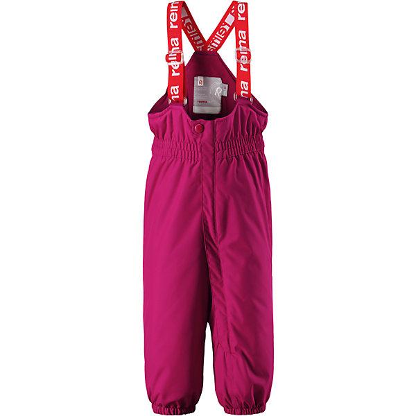 Брюки Reima Reimatec® Stockholm для девочкиВерхняя одежда<br>Характеристики товара:<br><br>• цвет: темно-розовый <br>• состав: 100% полиэстер<br>• утеплитель: 100% полиэстер, 140 г/м2 (comfort insulation)<br>• сезон: зима<br>• температурный режим: от 0 до -20С<br>• водонепроницаемость: 15000 мм<br>• воздухопроницаемость: 7000 мм<br>• износостойкость: 40000 циклов (тест Мартиндейла)<br>• особенности модели: с высокой талией, с подтяжками<br>• все швы проклеены и не пропускают влагу<br>• водо- и ветронепроницаемый, дышащий и грязеотталкивающий материал<br>• ветронепродуваемые <br>• гладкая подкладка из полиэстера<br>• утепленная задняя часть изделия<br>• высокая талия<br>• регулируемые подтяжки<br>• эластичные штанины<br>• съемные эластичные штрипки<br>• застежка: молния<br>• светоотражающие детали<br>• страна бренда: Финляндия<br>• страна изготовитель: Китай<br><br>Зимние брюки на подтяжках. Прочный материал хорошо проводит воздух, поэтому не парит, а все швы проклеены и водонепроницаемы — отличный вариант для активных игр на воздухе! Эти зимние брюки с высокой талией очень удобные: благодаря эластичной талии и регулируемым подтяжкам, они будут сидеть точно по фигуре.  <br><br>Утепленная задняя часть обеспечит ножкам дополнительное тепло и сухость, а брючины с силиконовыми штрипками на концах не будут задираться во время прогулки.<br><br>Брюки Stockholm Reimatec® Reima от финского бренда Reima (Рейма) можно купить в нашем интернет-магазине.<br><br>Ширина мм: 215<br>Глубина мм: 88<br>Высота мм: 191<br>Вес г: 336<br>Цвет: розовый<br>Возраст от месяцев: 24<br>Возраст до месяцев: 36<br>Пол: Женский<br>Возраст: Детский<br>Размер: 98,92,86,80<br>SKU: 6908294