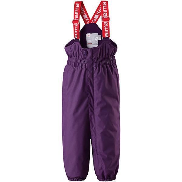 Брюки Reima Reimatec® Stockholm для девочкиОдежда<br>Характеристики товара:<br><br>• цвет: фиолетовый <br>• состав: 100% полиэстер<br>• утеплитель: 100% полиэстер, 140 г/м2 (comfort insulation)<br>• сезон: зима<br>• температурный режим: от 0 до -20С<br>• водонепроницаемость: 15000 мм<br>• воздухопроницаемость: 7000 мм<br>• износостойкость: 40000 циклов (тест Мартиндейла)<br>• особенности модели: с высокой талией, с подтяжками<br>• все швы проклеены и не пропускают влагу<br>• водо- и ветронепроницаемый, дышащий и грязеотталкивающий материал<br>• ветронепродуваемые <br>• гладкая подкладка из полиэстера<br>• утепленная задняя часть изделия<br>• высокая талия<br>• регулируемые подтяжки<br>• эластичные штанины<br>• съемные эластичные штрипки<br>• застежка: молния<br>• светоотражающие детали<br>• страна бренда: Финляндия<br>• страна изготовитель: Китай<br><br>Зимние брюки на подтяжках. Прочный материал хорошо проводит воздух, поэтому не парит, а все швы проклеены и водонепроницаемы — отличный вариант для активных игр на воздухе! Эти зимние брюки с высокой талией очень удобные: благодаря эластичной талии и регулируемым подтяжкам, они будут сидеть точно по фигуре.  <br><br>Утепленная задняя часть обеспечит ножкам дополнительное тепло и сухость, а брючины с силиконовыми штрипками на концах не будут задираться во время прогулки.<br><br>Брюки Stockholm Reimatec® Reima от финского бренда Reima (Рейма) можно купить в нашем интернет-магазине.<br><br>Ширина мм: 215<br>Глубина мм: 88<br>Высота мм: 191<br>Вес г: 336<br>Цвет: лиловый<br>Возраст от месяцев: 12<br>Возраст до месяцев: 15<br>Пол: Женский<br>Возраст: Детский<br>Размер: 80,98,92,86<br>SKU: 6908299