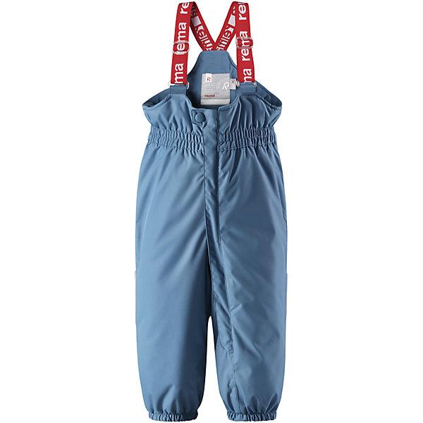 Брюки Reima Reimatec® Stockholm для мальчикаВерхняя одежда<br>Характеристики товара:<br><br>• цвет: голубой <br>• состав: 100% полиэстер<br>• утеплитель: 100% полиэстер, 140 г/м2 (comfort insulation)<br>• сезон: зима<br>• температурный режим: от 0 до -20С<br>• водонепроницаемость: 15000 мм<br>• воздухопроницаемость: 7000 мм<br>• износостойкость: 40000 циклов (тест Мартиндейла)<br>• особенности модели: с высокой талией, с подтяжками<br>• все швы проклеены и не пропускают влагу<br>• водо- и ветронепроницаемый, дышащий и грязеотталкивающий материал<br>• ветронепродуваемые <br>• гладкая подкладка из полиэстера<br>• утепленная задняя часть изделия<br>• высокая талия<br>• регулируемые подтяжки<br>• эластичные штанины<br>• съемные эластичные штрипки<br>• застежка: молния<br>• светоотражающие детали<br>• страна бренда: Финляндия<br>• страна изготовитель: Китай<br><br>Зимние брюки на подтяжках. Прочный материал хорошо проводит воздух, поэтому не парит, а все швы проклеены и водонепроницаемы — отличный вариант для активных игр на воздухе! Эти зимние брюки с высокой талией очень удобные: благодаря эластичной талии и регулируемым подтяжкам, они будут сидеть точно по фигуре.  <br><br>Утепленная задняя часть обеспечит ножкам дополнительное тепло и сухость, а брючины с силиконовыми штрипками на концах не будут задираться во время прогулки.<br><br>Брюки Stockholm Reimatec® Reima от финского бренда Reima (Рейма) можно купить в нашем интернет-магазине.<br><br>Ширина мм: 215<br>Глубина мм: 88<br>Высота мм: 191<br>Вес г: 336<br>Цвет: синий<br>Возраст от месяцев: 12<br>Возраст до месяцев: 15<br>Пол: Мужской<br>Возраст: Детский<br>Размер: 98,92,86,80<br>SKU: 6908304