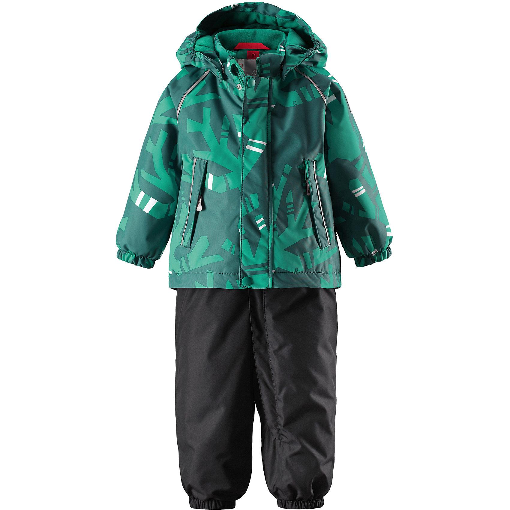 Комплект Reima Reimatec® Ohra для мальчикаВерхняя одежда<br>Характеристики товара:<br><br>• цвет: зеленый/синий <br>• состав: 100% полиэстер<br>• утеплитель: 100% полиэстер, 160/140 г/м2 (lost insulation)<br>• сезон: зима<br>• температурный режим: от 0 до -20С<br>• водонепроницаемость: 15000 мм<br>• воздухопроницаемость: 7000 мм<br>• износостойкость: 35000/40000 циклов (тест Мартиндейла)<br>• особенности модели: с высокой талией, с подтяжками, с рисунком<br>• все швы проклеены и не пропускают влагу<br>• водо- и ветронепроницаемый, дышащий и грязеотталкивающий материал<br>• ветронепродуваемый<br>• гладкая подкладка из полиэстера<br>• безопасный съемный капюшон<br>• высокая талия<br>• регулируемые подтяжки<br>• эластичные штанины<br>• съемные эластичные штрипки<br>• застежка: молния<br>• регулируемый подол куртки<br>• два боковых кармана  на молнии<br>• светоотражающие детали<br>• страна бренда: Финляндия<br>• страна изготовитель: Китай<br><br>Теплый зимний комплект для мальчика выполнен из ветро и водонепроницаемого материала с основными проклеенными и водонепроницаемыми швами. Куртка оснащена съемным капюшоном, который легко отстегивается. У зимних брюк высокая талия, которая защищает поясницу от холода, а благодаря подтяжкам и штрипкам они будут хорошо сидеть.<br><br>Комплект Kuusi Reimatec® Reima от финского бренда Reima (Рейма) можно купить в нашем интернет-магазине.<br><br>Ширина мм: 356<br>Глубина мм: 10<br>Высота мм: 245<br>Вес г: 519<br>Цвет: зеленый<br>Возраст от месяцев: 24<br>Возраст до месяцев: 36<br>Пол: Унисекс<br>Возраст: Детский<br>Размер: 98,80,86,92<br>SKU: 6908329