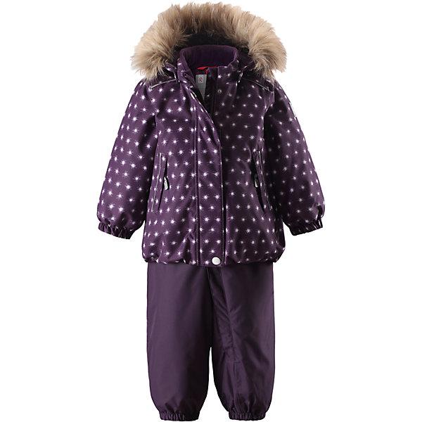 Комплект Reima Reimatec® Ohra для девочкиВерхняя одежда<br>Характеристики товара:<br><br>• цвет: фиолетовый <br>• состав: 100% полиэстер<br>• утеплитель: 100% полиэстер, 160/140 г/м2 (lost insulation)<br>• сезон: зима<br>• температурный режим: от 0 до -20С<br>• водонепроницаемость: 15000 мм<br>• воздухопроницаемость: 7000 мм<br>• износостойкость: 35000/40000 циклов (тест Мартиндейла)<br>• особенности модели: с высокой талией, с подтяжками, с рисунком<br>• все швы проклеены и не пропускают влагу<br>• водо- и ветронепроницаемый, дышащий и грязеотталкивающий материал<br>• ветронепродуваемый<br>• гладкая подкладка из полиэстера<br>• безопасный съемный капюшон<br>• съемный искусственный мех на капюшоне<br>• высокая талия<br>• регулируемые подтяжки<br>• эластичные штанины<br>• съемные эластичные штрипки<br>• застежка: молния<br>• регулируемый подол куртки<br>• два боковых кармана  на молнии<br>• светоотражающие детали<br>• страна бренда: Финляндия<br>• страна изготовитель: Китай<br><br>Теплый зимний комплект для девочки выполнен из ветро и водонепроницаемого материала с основными проклеенными и водонепроницаемыми швами. Куртка оснащена съемным капюшоном, который легко отстегивается. У зимних брюк высокая талия, которая защищает поясницу от холода, а благодаря подтяжкам и штрипкам они будут хорошо сидеть.<br><br>Комплект Pihlaja для девочки Reimatec® Reima от финского бренда Reima (Рейма) можно купить в нашем интернет-магазине.<br>Ширина мм: 356; Глубина мм: 10; Высота мм: 245; Вес г: 519; Цвет: лиловый; Возраст от месяцев: 12; Возраст до месяцев: 15; Пол: Женский; Возраст: Детский; Размер: 80,98,92,86; SKU: 6908334;