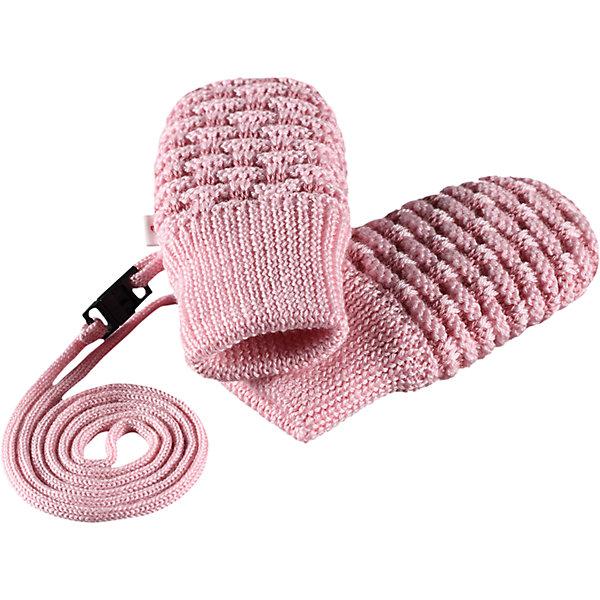 Варежки Reima UninenПерчатки и варежки<br>Характеристики товара:<br><br>• цвет: розовый;<br>• состав: 50% шерсть, 50% полиакрил;<br>• утеплитель: 60 г/м2 (Comfort insulation)<br>• сезон: демисезон; <br>• особенности модели: вязаные, на завязках;<br>• вязка из смеси шерсти и Tencel®;<br>• завязки во всех размерах снабжены ограничителями;<br>• сплошная подкладка: приятный на ощупь хлопковый трикотаж с эластаном;<br>• эластичный кант на манжетах;<br>• страна бренда: Финляндия;<br>• страна изготовитель: Китай.<br><br>Вязаные варежки для новорожденных из теплой полушерстяной пряжи. Эти варежки с хлопковой подкладкой мягко окутывают и надежно согревают крохотные ручки в холодную погоду. Благодаря удобной тесемке варежки не потеряются. Тесемка снабжена защелкой с предохранителем, поэтому легко расстегнется, если случайно за что-нибудь зацепится. <br><br>Варежки Uninen Reima от финского бренда Reima (Рейма) можно купить в нашем интернет-магазине.<br>Ширина мм: 162; Глубина мм: 171; Высота мм: 55; Вес г: 119; Цвет: розовый; Возраст от месяцев: 6; Возраст до месяцев: 18; Пол: Женский; Возраст: Детский; Размер: 1,0; SKU: 6908635;