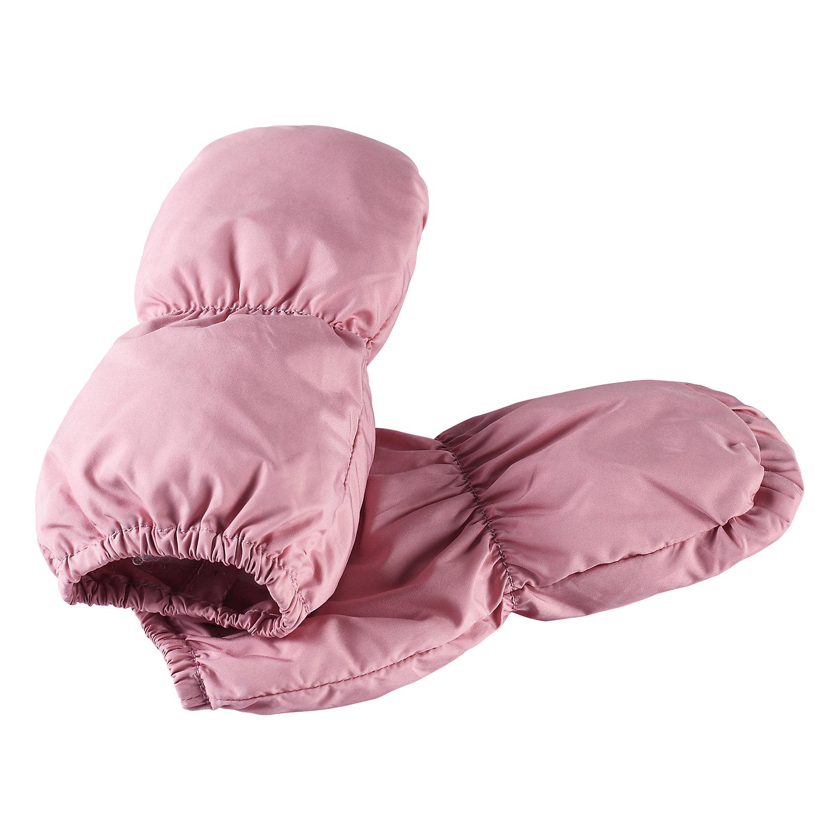 Варежки Reima TaputusПерчатки, варежки<br>Характеристики товара:<br><br>• цвет: розовый;<br>• состав: 100% полиэстер;<br>• утеплитель: 60 г/м2 (Comfort insulation)<br>• сезон: демисезон; <br>• особенности модели: на подкладке;<br>• водоотталкивающий, ветронепроницаемый и грязеотталкивающий материал;<br>• сплошная подкладка: гладкий хлопковый трикотаж;<br>• легкая степень утепления;<br>• логотип Reima сбоку;<br>• страна бренда: Финляндия;<br>• страна изготовитель: Китай.<br><br>Варежки для новорожденных превосходно подойдут для прогулок в коляске в холодный день. Они снабжены легким утеплителем и мягкой трикотажной подкладкой внутри. Варежки сшиты из ветронепроницаемого и водоотталкивающего, но при этом дышащего материала.<br><br>Варежки Taputus Reima от финского бренда Reima (Рейма) можно купить в нашем интернет-магазине.<br><br>Ширина мм: 162<br>Глубина мм: 171<br>Высота мм: 55<br>Вес г: 119<br>Цвет: розовый<br>Возраст от месяцев: 6<br>Возраст до месяцев: 18<br>Пол: Унисекс<br>Возраст: Детский<br>Размер: 1,0<br>SKU: 6908650