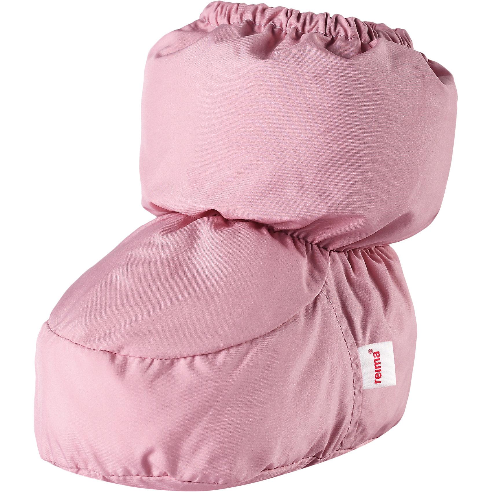 Пинетки Reima UskallusПинетки и царапки<br>Характеристики товара:<br><br>• цвет: розовый;<br>• состав: 100% полиэстер;<br>• утеплитель: 80 г/м2 (Comfort insulation)<br>• сезон: демисезон; <br>• особенности модели: на подкладке;<br>• водоотталкивающий, ветронепроницаемый и грязеотталкивающий материал;<br>• сплошная подкладка: гладкий хлопковый трикотаж;<br>• легкая степень утепления;<br>• логотип Reima сбоку;<br>• страна бренда: Финляндия;<br>• страна изготовитель: Китай.<br><br>В этих пинетках для новорожденных маленьким ножкам будет тепло и уютно. Они сшиты из ветронепроницаемого и водоотталкивающего материала и внутри снабжены мягкой и уютной трикотажной подкладкой.<br><br>Пинетки Uskallus Reima от финского бренда Reima (Рейма) можно купить в нашем интернет-магазине.<br><br>Ширина мм: 152<br>Глубина мм: 126<br>Высота мм: 93<br>Вес г: 242<br>Цвет: розовый<br>Возраст от месяцев: 6<br>Возраст до месяцев: 18<br>Пол: Унисекс<br>Возраст: Детский<br>Размер: 1,0<br>SKU: 6908659