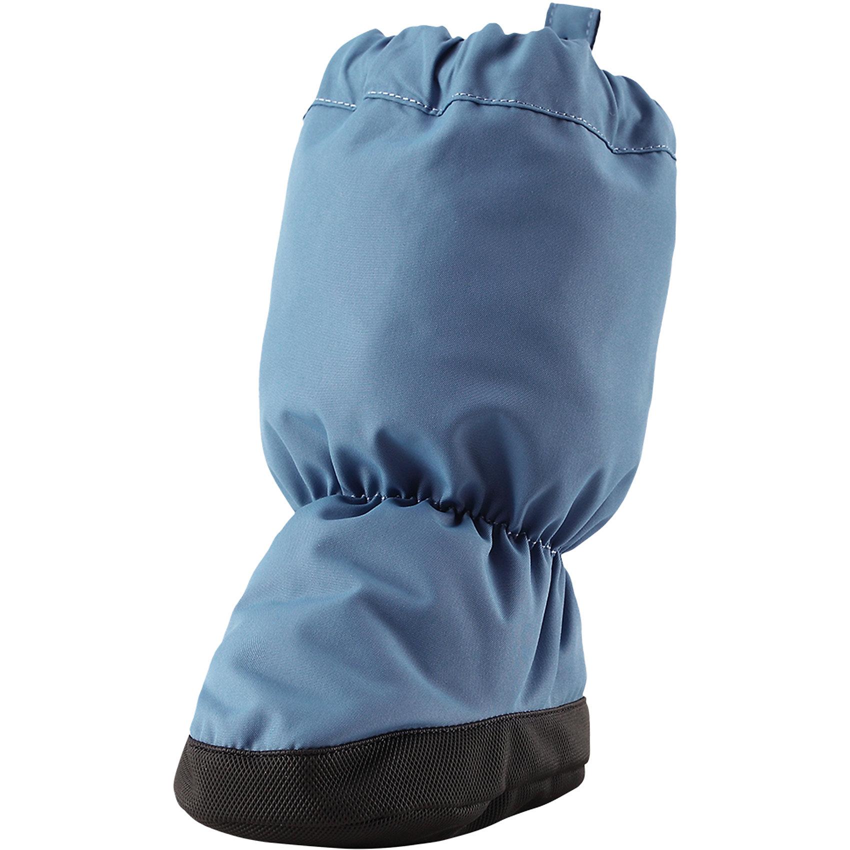 Пинетки Reima AnturaПинетки и царапки<br>Характеристики товара:<br><br>• цвет: голубой;<br>• состав: 100% полиэстер;<br>• утеплитель: 170 г/м2 (comfort insulation);<br>• температурный режим: от -10 до -20С;<br>• сезон: зима; <br>• водонепроницаемость: 15000 мм;<br>• воздухопроницаемость: 7000 мм;<br>• износостойкость: 40000 (тест Мартиндейла);<br>• особенности модели: на подкладке;<br>• водонепроницаемый прочный материал;<br>• ветронепроницаемый и грязеотталкивающий материал;<br>• подкладка из полиэстера с небольшим начесом;<br>• антискользящая поверхность подошвы;<br>• логотип Reima;<br>• страна бренда: Финляндия;<br>• страна изготовитель: Китай.<br><br>Зимние пинетки изготовлены из дышащего водонепроницаемого материала, однако швы в них не проклеены – так что лужи придется обходить! Ребристая нескользящая подошва поможет сделать первые шаги на свежем воздухе, кроме того, материал отталкивает грязь. А с мягкой трикотажной подкладкой с начесом в пинетках невероятно удобно. <br><br>Пинетки Antura Reima от финского бренда Reima (Рейма) можно купить в нашем интернет-магазине.<br><br>Ширина мм: 152<br>Глубина мм: 126<br>Высота мм: 93<br>Вес г: 242<br>Цвет: синий<br>Возраст от месяцев: 0<br>Возраст до месяцев: 6<br>Пол: Унисекс<br>Возраст: Детский<br>Размер: 0,2,1<br>SKU: 6908722