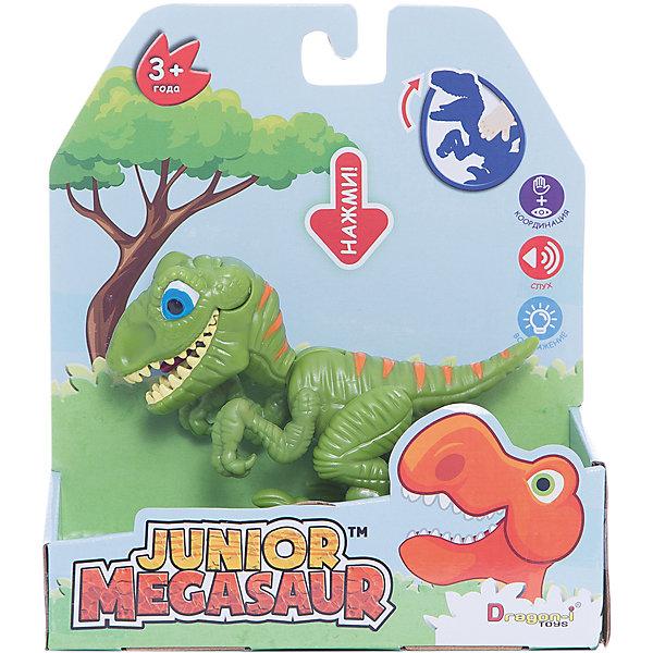 Игрушка Динозавр, открывает пасть, зеленый, Junior MegasaurИнтерактивные животные<br>Характеристики товара:<br><br>• возраст: от 3 лет;<br>• материал: пластик;<br>• размер упаковки: 17х6 х19 см;<br>• вес упаковки: 115 гр.;<br>•высота фигурки: 10 см;<br>•упаковка: коробка открытого типа;<br>•страна обладатель бренда: США. <br><br>Яркая игрушка поможет познакомить ребенка с миром динозавров, рассказать ему о том, чем они питались и какие имели повадки.  Открывающий пасть динозаврик отличный подарком для юного палеонтолога. <br><br>Дизайн игрушки отличается преувеличенно яркими оттенками, благодаря чему этот опасный хищник не сможет напугать кроху. Фигурка имеет подвижные лапы, благодаря чему ей можно придавать различные эффектные позы. Если нажать на спину динозаврика, то он запрокинет голову, откроет пасть и захлопнет ее, щелкнув зубами. <br><br>Выполненная из высококачественного пластика фигурка окрашена с использованием нетоксичных красок, благодаря чему абсолютно безопасна для детей. <br><br>Игрушку Динозавр Junior Megasaur, оранжевый можно приобрести в нашем интернет-магазине.<br>Ширина мм: 170; Глубина мм: 60; Высота мм: 190; Вес г: 151; Возраст от месяцев: 36; Возраст до месяцев: 2147483647; Пол: Мужской; Возраст: Детский; SKU: 6916222;