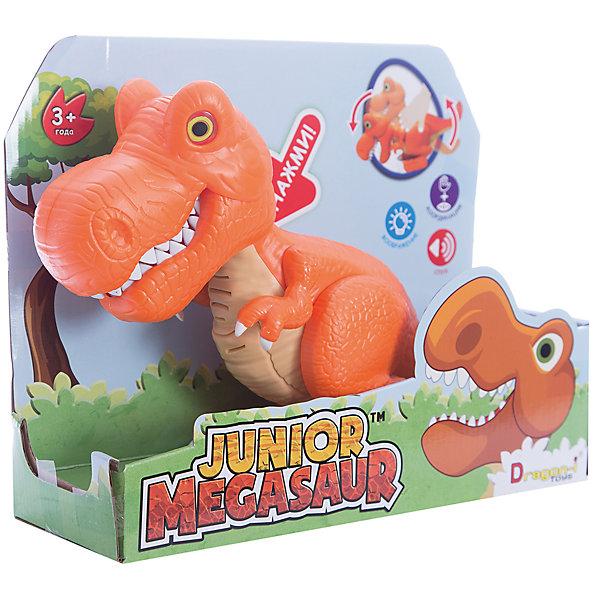Динозавр Тирекс, со светом и звуком, оранжевый, Junior MegasaurИнтерактивные животные<br>Характеристики товара:<br><br>• возраст: от 3 лет;<br>• материал: пластик;<br>• размер упаковки: 31х11х26 см;<br>• вес упаковки: 603 гр.;     <br>• цвет: оранжевый;  <br>• тип батареек : 2 батарейки АА ;<br>• наличие батареек : демонстрационные батарейки;<br>•страна обладатель бренда: США.   <br><br>Динозавр Тирекс бренда  Junior Megasaur оснащен световыми и звуковыми эффектами: при наклоне корпуса динозавра у него будут светиться глаза, он зарычит и начнёт хлопать пастью. При этом динозавр может захватывать мелкие предметы со стала или с пола. Динозаврик рычит при нажатии на спину, при этом у него светятся глаза. <br><br>Игрушку динозавр «Тирекс» Junior Megasaur , со светом и звуком  можно приобрести в нашем интернет-магазине.<br>Ширина мм: 310; Глубина мм: 110; Высота мм: 240; Вес г: 603; Возраст от месяцев: 36; Возраст до месяцев: 2147483647; Пол: Мужской; Возраст: Детский; SKU: 6916227;