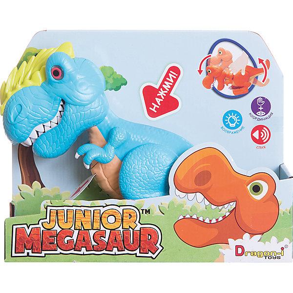 Динозавр Аллозавр, со светом и звуком, голубой, Junior MegasaurИнтерактивные животные<br>Характеристики товара:<br><br>• возраст: от 3 лет;<br>• материал: пластик;<br>• цвет: голубой;  <br>• тип батареек : 2 батарейки АА ;<br>• наличие батареек : демонстрационные батарейки;<br>• размер упаковки: 31х11х26 см;<br>• вес упаковки: 603 гр.; <br>•страна обладатель бренда: США.   <br><br>Динозавр Аллозавр, со светом и звуком, голубой, Junior Megasaur оснащен световыми и звуковыми эффектами: при наклоне корпуса динозавра у него будут светиться глаза, он зарычит и начнёт хлопать пастью. При этом динозавр может захватывать мелкие предметы со стала или с пола. Динозаврик рычит при нажатии на спину, при этом у него светятся глаза.<br><br>Игрушку динозавр «Аллозавр» Junior Megasaur , со светом и звуком  можно приобрести в нашем интернет-магазине.<br><br>Ширина мм: 310<br>Глубина мм: 110<br>Высота мм: 240<br>Вес г: 603<br>Возраст от месяцев: 36<br>Возраст до месяцев: 2147483647<br>Пол: Мужской<br>Возраст: Детский<br>SKU: 6916228