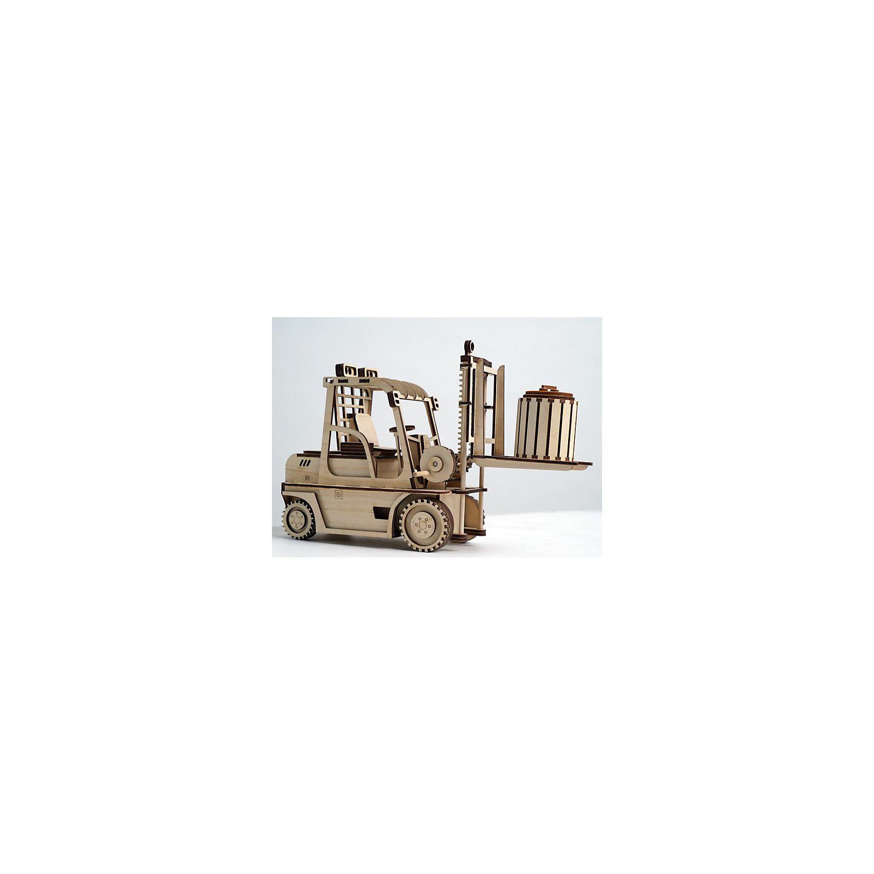 Деревянный  3D конструктор подвижный Погрузчик, LemmoДеревянные конструкторы<br>Характеристики товара:<br><br>• количество деталей: 123;<br>• в комплекте: детали, клей ПВА, наждачная бумага, инструкция;<br>• материал: дерево;<br>• размер упаковки: 16,5х10,5х28,5см;<br>• вес: 350 грамм;<br>• возраст: от 5 лет.<br>• страна производства: Россия<br><br>С помощью деревянного конструктора Lemmo мальчик сможет собрать красивую игрушку своими руками. Конструктор подходит для детей от 5 лет. Дети старше 7 лет смогут справиться со сборкой самостоятельно, без помощи родителей. Если ребенок правильно соединит детали, получится уменьшенная копия погрузчика. Проявив фантазию, юный строитель сможет раскрасить фигурку гуашью или акриловыми красками. Погрузчик хорошо ездит по любой поверхности и имеет подвижные элементы: открывающиеся дверцы, подвижные колеса и грузовая платформа.<br><br>В комплект входят 123 детали для сборки, клей ПВА, наждачная бумага и наглядная инструкция. Детали изготовлены из экологически чистой древесины с приятным древесным ароматом. Игра с 3D конструктором развивает моторику рук, пространственное и логическое мышление.<br><br>Деревянный  3D конструктор подвижный Погрузчик, Lemmo (Леммо) можно купить в нашем интернет-магазине.<br><br>Ширина мм: 285<br>Глубина мм: 105<br>Высота мм: 165<br>Вес г: 350<br>Возраст от месяцев: 60<br>Возраст до месяцев: 2147483647<br>Пол: Мужской<br>Возраст: Детский<br>SKU: 6918929