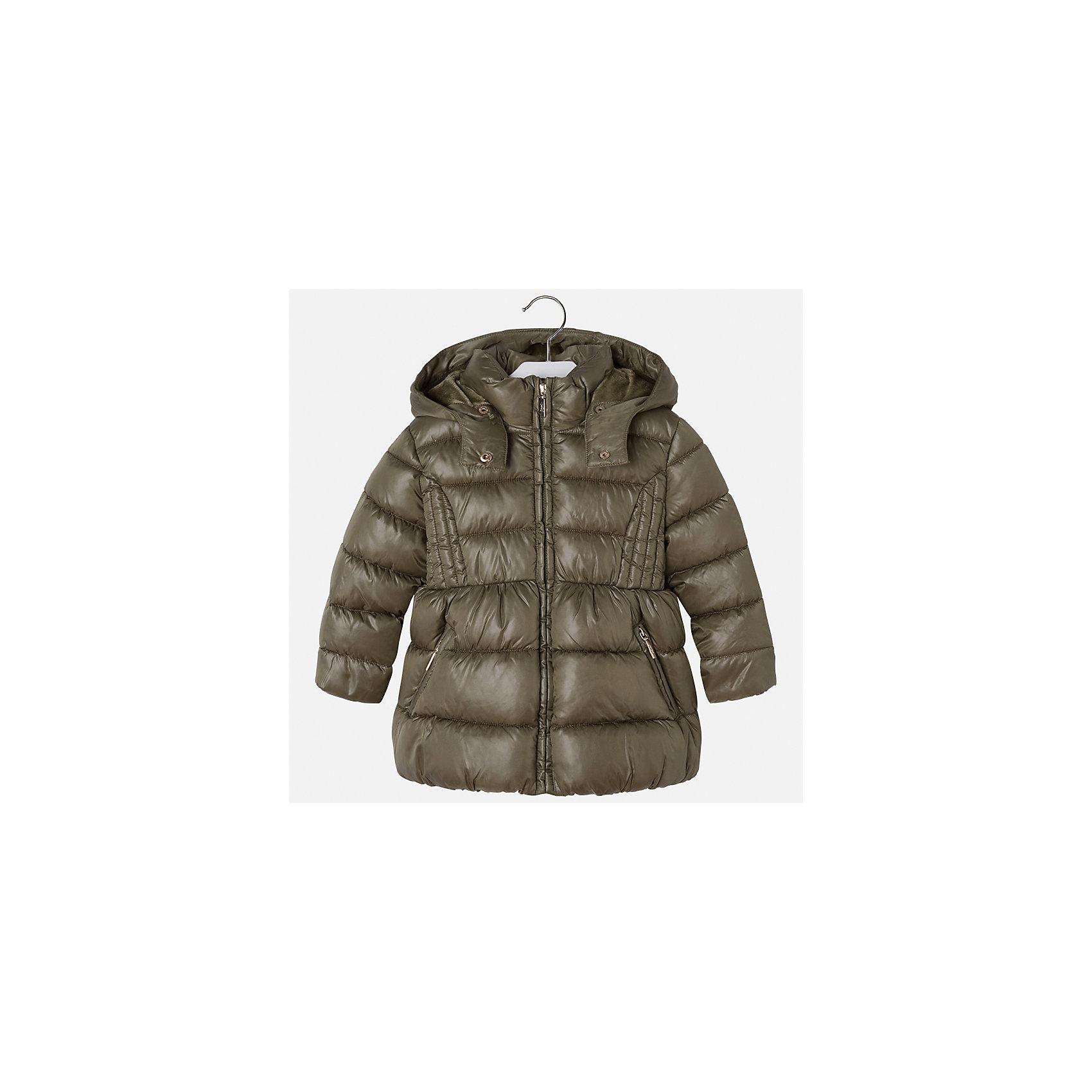 Куртка Mayoral для девочкиВерхняя одежда<br>Характеристики товара:<br><br>• цвет: зеленый<br>• состав ткани: 100% полиэстер<br>• подкладка: 100% полиэстер<br>• утеплитель: 100% полиэстер<br>• сезон: демисезон<br>• температурный режим: от -10 до +10<br>• особенности куртки: дутая, с капюшоном<br>• капюшон: съемный<br>• застежка: молния<br>• страна бренда: Испания<br>• страна изготовитель: Индия<br><br>Модная демисезонная куртка для девочки от Майорал подарит ребенку комфорт и тепло. Детская куртка с капюшоном отличается модным и продуманным дизайном. В куртке для девочки от испанской компании Майорал ребенок будет выглядеть модно, а чувствовать себя - комфортно. <br><br>Куртку для девочки Mayoral (Майорал) можно купить в нашем интернет-магазине.<br><br>Ширина мм: 356<br>Глубина мм: 10<br>Высота мм: 245<br>Вес г: 519<br>Цвет: зеленый<br>Возраст от месяцев: 96<br>Возраст до месяцев: 108<br>Пол: Женский<br>Возраст: Детский<br>Размер: 134,92,98,104,110,116,122,128<br>SKU: 6920088