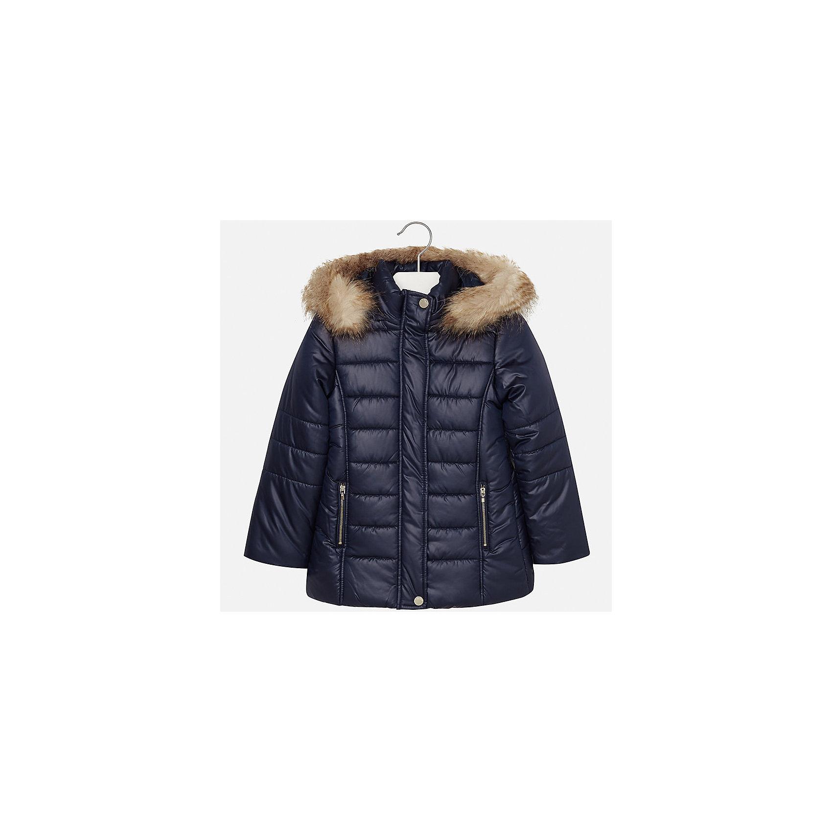 Куртка Mayoral для девочкиДемисезонные куртки<br>Характеристики товара:<br><br>• цвет: синий<br>• состав ткани: 100% полиэстер, подклад - 100% полиэстер, утеплитель - 100% полиэстер<br>• застежка: молния<br>• капюшон с опушкой<br>• сезон: зима<br>• температурный режим: от 0 до -10<br>• страна бренда: Испания<br>• страна изготовитель: Индия<br><br>Синяя стильная куртка с опушкой для девочки от Майорал поможет обеспечить тепло и комфорт. Эффектная детская куртка отличается удлиненным силуэтом и наличием капюшона. <br><br>Детская одежда от испанской компании Mayoral отличаются оригинальным и всегда стильным дизайном. Качество продукции неизменно очень высокое.<br><br>Куртку для девочки Mayoral (Майорал) можно купить в нашем интернет-магазине.<br><br>Ширина мм: 356<br>Глубина мм: 10<br>Высота мм: 245<br>Вес г: 519<br>Цвет: темно-синий<br>Возраст от месяцев: 168<br>Возраст до месяцев: 180<br>Пол: Женский<br>Возраст: Детский<br>Размер: 170,128/134,140,152,158,164<br>SKU: 6922080