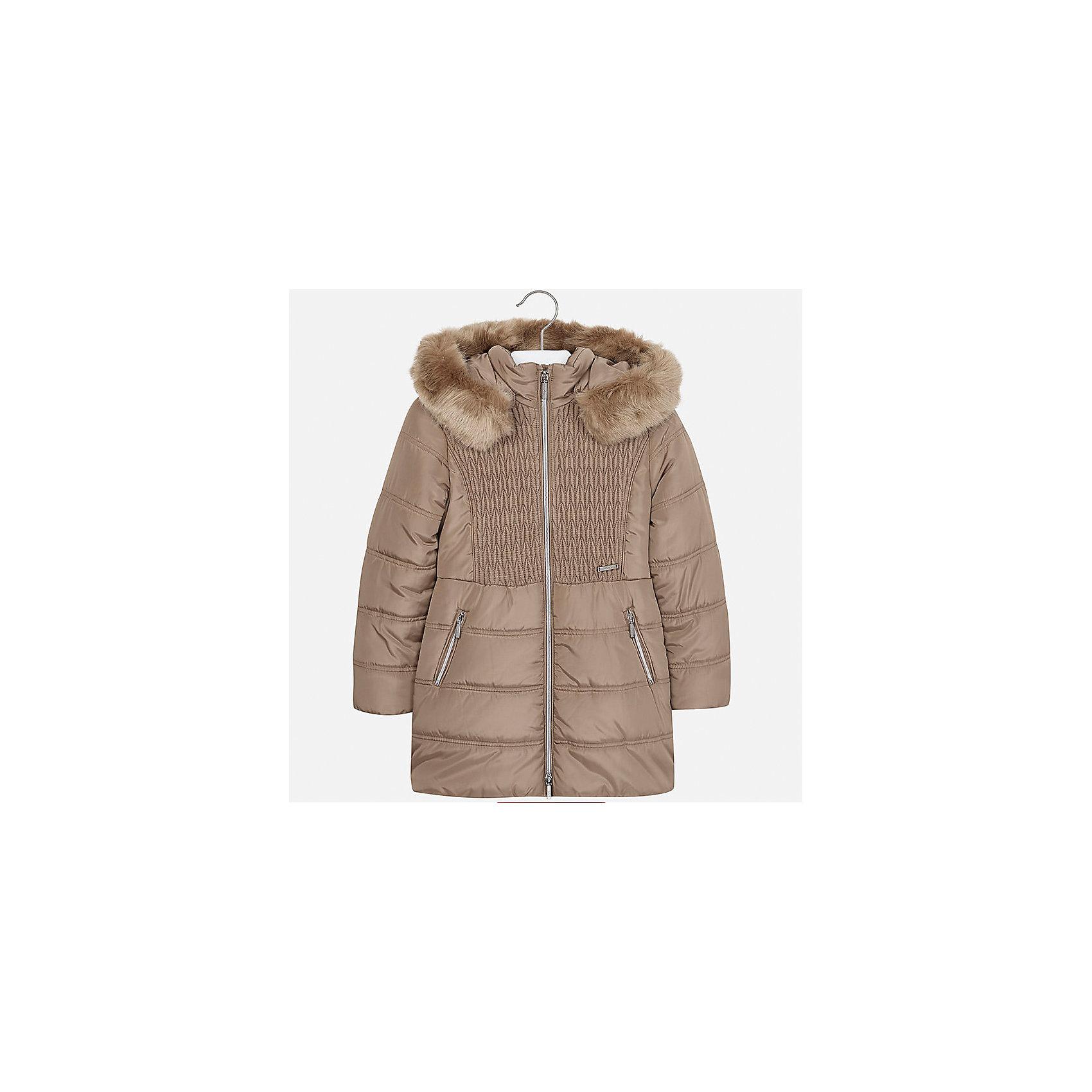 Куртка Mayoral для девочкиДемисезонные куртки<br>Характеристики товара:<br><br>• цвет: бежевый<br>• состав ткани: 100% полиэстер, подклад - 100% полиэстер, утеплитель - 100% полиэстер<br>• застежка: молния<br>• капюшон с опушкой<br>• сезон: зима<br>• температурный режим: от  0 до -10<br>• страна бренда: Испания<br>• страна изготовитель: Индия<br><br>Бежевая стильная куртка с опушкой для девочки от Майорал поможет обеспечить тепло и комфорт. Эффектная детская куртка отличается удлиненным силуэтом и наличием капюшона. <br><br>Детская одежда от испанской компании Mayoral отличаются оригинальным и всегда стильным дизайном. Качество продукции неизменно очень высокое.<br><br>Куртку для девочки Mayoral (Майорал) можно купить в нашем интернет-магазине.<br><br>Ширина мм: 356<br>Глубина мм: 10<br>Высота мм: 245<br>Вес г: 519<br>Цвет: коричневый<br>Возраст от месяцев: 96<br>Возраст до месяцев: 108<br>Пол: Женский<br>Возраст: Детский<br>Размер: 128/134,170,164,158,152,140<br>SKU: 6922101