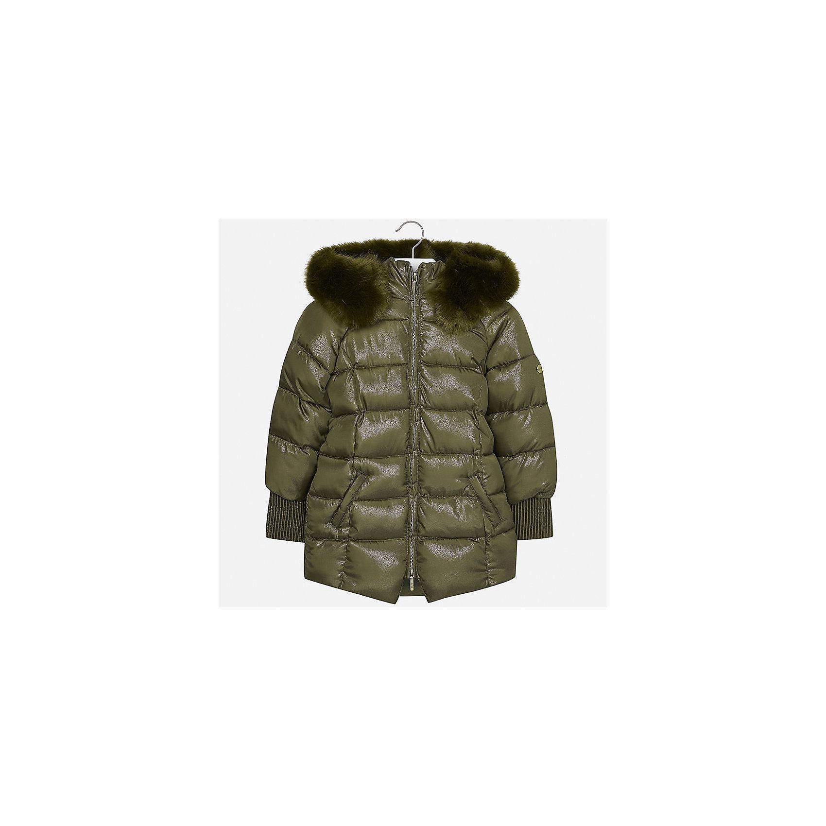 Куртка Mayoral для девочкиДемисезонные куртки<br>Характеристики товара:<br><br>• цвет: зеленый<br>• состав ткани: 100% полиэстер, подклад - 100% полиэстер, утеплитель - 100% полиэстер<br>• застежка: молния<br>• капюшон с опушкой<br>• сезон: зима<br>• температурный режим: от 0 до -10С<br>• страна бренда: Испания<br>• страна изготовитель: Индия<br><br>Зеленая стильного оттенка куртка с опушкой для девочки от Майорал поможет обеспечить тепло и комфорт. Эффектная детская куртка отличается удлиненным силуэтом и наличием капюшона. <br><br>Детская одежда от испанской компании Mayoral отличаются оригинальным и всегда стильным дизайном. Качество продукции неизменно очень высокое.<br><br>Куртку для девочки Mayoral (Майорал) можно купить в нашем интернет-магазине.<br><br>Ширина мм: 356<br>Глубина мм: 10<br>Высота мм: 245<br>Вес г: 519<br>Цвет: зеленый<br>Возраст от месяцев: 168<br>Возраст до месяцев: 180<br>Пол: Женский<br>Возраст: Детский<br>Размер: 170,128/134,140,152,158,164<br>SKU: 6922143
