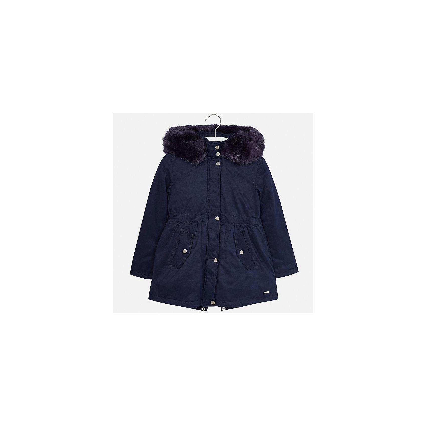 Куртка Mayoral для девочкиВерхняя одежда<br>Характеристики товара:<br><br>• цвет: синий<br>• состав ткани: 90% полиэстер, 10% полиамид, подклад - 100% полиэстер, утеплитель - 100% полиэстер<br>• застежка: молния<br>• капюшон с опушкой<br>• сезон: демисезон<br>• температурный режим: от 0 до -10С<br>• страна бренда: Испания<br>• страна изготовитель: Индия<br><br>Синяя куртка Mayoral с отделкой из искусственного меха соответствует новейшим тенденциям молодежной моды. Такая утепленная куртка поможет сделать образ стильным и оригинальным. <br><br>В одежде от испанской компании Майорал ребенок будет выглядеть модно, а чувствовать себя - комфортно. Целая команда европейских талантливых дизайнеров работает над созданием стильных и оригинальных моделей одежды.<br><br>Куртку для девочки Mayoral (Майорал) можно купить в нашем интернет-магазине.<br><br>Ширина мм: 356<br>Глубина мм: 10<br>Высота мм: 245<br>Вес г: 519<br>Цвет: темно-синий<br>Возраст от месяцев: 96<br>Возраст до месяцев: 108<br>Пол: Женский<br>Возраст: Детский<br>Размер: 128/134,170,164,158,152,140<br>SKU: 6922178