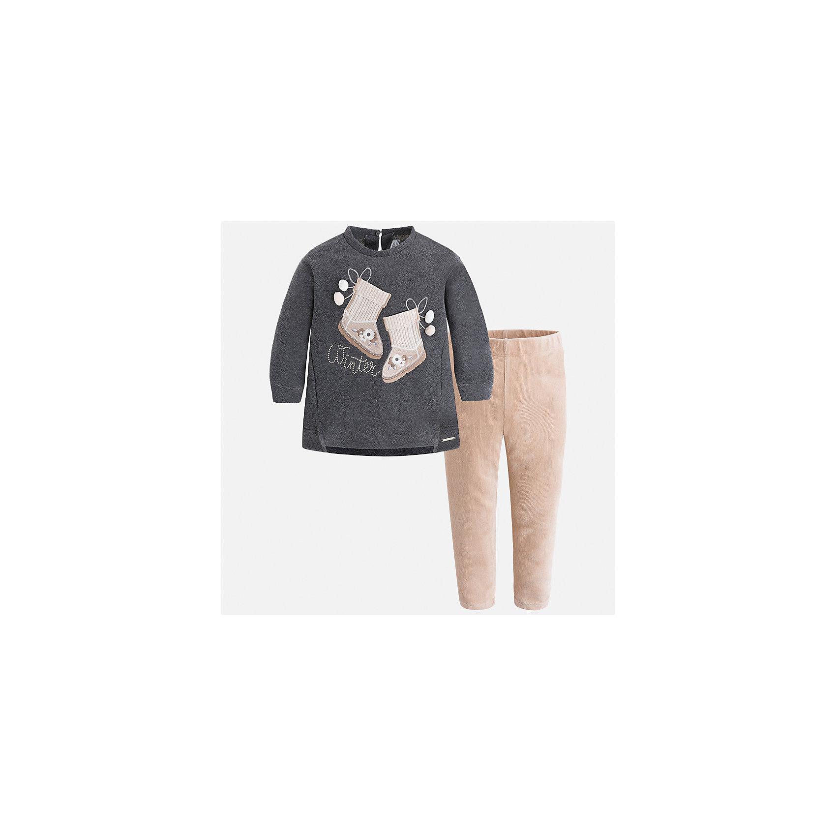 Комплект: футболка с длинным рукавом и леггинсы Mayoral для девочкиКомплекты<br>Характеристики товара:<br><br>• цвет: серый<br>• комплектация: блузка и леггинсы<br>• состав ткани леггинсов: 55% хлопок, 40% полиэстер, 5% эластан<br>• состав ткани блузки: 60% хлопок, 40% полиэстер<br>• длинные рукава<br>• застежка: пуговица<br>• пояс: резинка<br>• сезон: круглый год<br>• страна бренда: Испания<br>• страна изготовитель: Индия<br><br>Комфортный детский комплект от известного испанского бренда Mayoral состоит из модной блузки с принтом и однотонных эластичных леггинсов. Такое сочетание является очень актуальным в наступающем сезоне.<br><br>Детская одежда от испанской компании Mayoral отличаются оригинальным и всегда стильным дизайном. Качество продукции неизменно очень высокое.<br><br>Комплект: блузка и леггинсы для девочки Mayoral (Майорал) можно купить в нашем интернет-магазине.<br><br>Ширина мм: 123<br>Глубина мм: 10<br>Высота мм: 149<br>Вес г: 209<br>Цвет: серый<br>Возраст от месяцев: 96<br>Возраст до месяцев: 108<br>Пол: Женский<br>Возраст: Детский<br>Размер: 134,92,98,104,110,116,122,128<br>SKU: 6922733