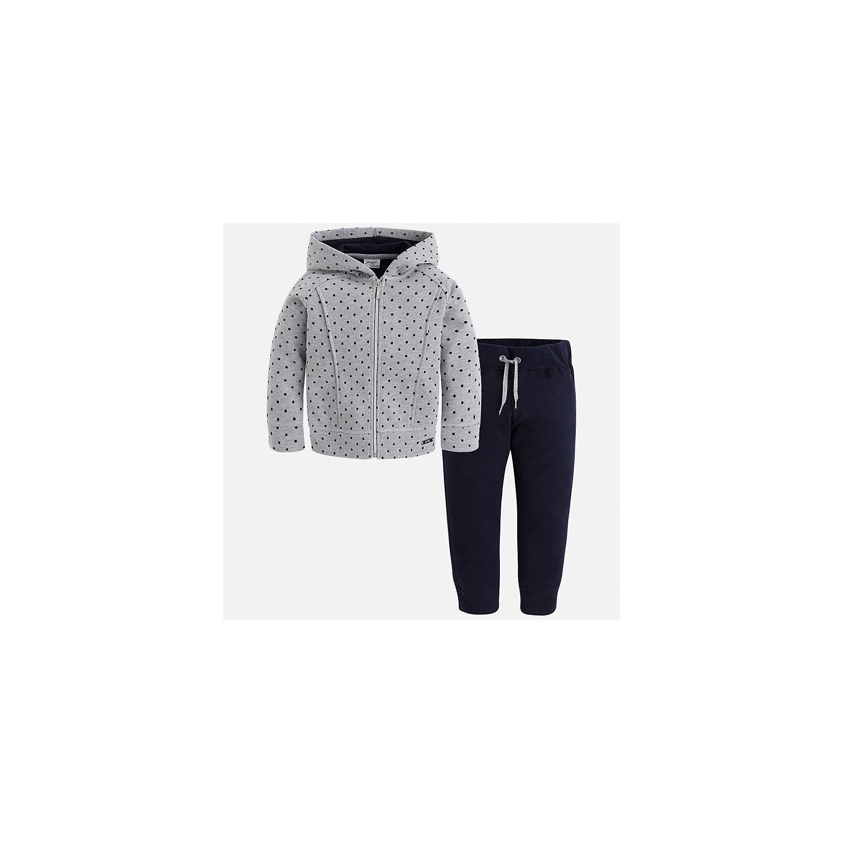 Спортивный костюм Mayoral для девочкиКомплекты<br>Характеристики товара:<br><br>• цвет: черный<br>• комплектация: курточка и брюки<br>• состав ткани курточки: 57% хлопок, 38% полиэстер, 5% эластан<br>• состав ткани брюк: 45% хлопок, 42% полиэстер, 13% металлизированная нить<br>• длинные рукава<br>• застежка: молния<br>• пояс: резинка и шнурок<br>• особенности модели: спортивный стиль<br>• сезон: круглый год<br>• страна бренда: Испания<br>• страна изготовитель: Индия<br><br>Этот спортивный костюм - отличный вариант одежды для отдыха и занятий спортом. Курточка с капюшоном из этого комплекта украшена модным принтом. Удобный детский спортивный костюм от известного бренда Майорал выглядит аккуратно и стильно. <br><br>Детская одежда от испанской компании Mayoral отличаются оригинальным и всегда стильным дизайном. Качество продукции неизменно очень высокое.<br><br>Спортивный костюм для девочки Mayoral (Майорал) можно купить в нашем интернет-магазине.<br><br>Ширина мм: 247<br>Глубина мм: 16<br>Высота мм: 140<br>Вес г: 225<br>Цвет: черный<br>Возраст от месяцев: 96<br>Возраст до месяцев: 108<br>Пол: Женский<br>Возраст: Детский<br>Размер: 134,92,98,104,110,116,122,128<br>SKU: 6922964