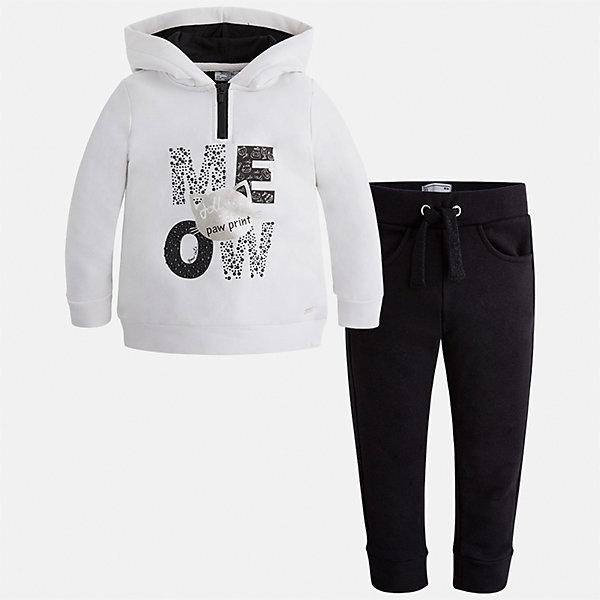 Спортивный костюм Mayoral для девочкиКомплекты<br>Характеристики товара:<br><br>• цвет: черный<br>• комплектация: курточка и брюки<br>• состав ткани курточки: 48% хлопок, 37% полиэстер, 5% эластан; подкладка - 60% хлопок, 40% полиэстер<br>• состав ткани брюк: 58% хлопок, 38% полиэстер, 4% эластан<br>• длинные рукава<br>• застежка: молния<br>• пояс: резинка и шнурок<br>• особенности модели: спортивный стиль<br>• сезон: круглый год<br>• страна бренда: Испания<br>• страна изготовитель: Индия<br><br>Симпатичный спортивный костюм от известного бренда Майорал выглядит аккуратно и стильно. Удобный спортивный костюм - отличный вариант одежды для отдыха и занятий спортом, он состоит из брюк и курточки с капюшоном.<br><br>В одежде от испанской компании Майорал ребенок будет выглядеть модно, а чувствовать себя - комфортно. Целая команда европейских талантливых дизайнеров работает над созданием стильных и оригинальных моделей одежды.<br><br>Спортивный костюм для девочки Mayoral (Майорал) можно купить в нашем интернет-магазине.<br>Ширина мм: 247; Глубина мм: 16; Высота мм: 140; Вес г: 225; Цвет: черный; Возраст от месяцев: 48; Возраст до месяцев: 60; Пол: Женский; Возраст: Детский; Размер: 110,134,128,122,116,104,98; SKU: 6922973;