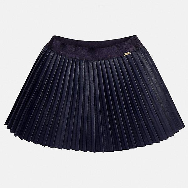 Юбка для девочки MayoralЮбки<br>Характеристики товара:<br><br>• цвет: темно-синий<br>• состав ткани: 100% полиуретан, подклад - 100% хлопок<br>• сезон: круглый год<br>• плиссированная<br>• особенности модели: нарядная<br>• страна бренда: Испания<br>• страна изготовитель: Индия<br><br>Детская одежда может быть стильной и удобной. Эта черная плиссированная юбка - отличный вариант одежды для торжественных случаев.<br><br>В одежде от испанской компании Майорал ребенок будет выглядеть модно, а чувствовать себя - комфортно. Целая команда европейских талантливых дизайнеров работает над созданием стильных и оригинальных моделей одежды.<br><br>Юбку для девочки Mayoral (Майорал) можно купить в нашем интернет-магазине.<br><br>Ширина мм: 207<br>Глубина мм: 10<br>Высота мм: 189<br>Вес г: 183<br>Цвет: темно-синий<br>Возраст от месяцев: 24<br>Возраст до месяцев: 36<br>Пол: Женский<br>Возраст: Детский<br>Размер: 98,134,104,110,116,122,128<br>SKU: 6923098