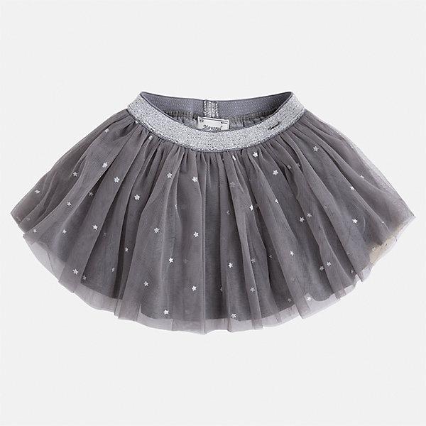 Юбка Mayoral для девочкиЮбки<br>Характеристики товара:<br><br>• цвет: серебристый<br>• состав ткани: 100% полиэстер, подклад - 65% полиэстер, 35% хлопок<br>• сезон: круглый год<br>• пояс: резинка<br>• особенности модели: нарядная<br>• страна бренда: Испания<br>• страна изготовитель: Индия<br><br>Детская одежда может быть стильной и удобной. Эта черная плиссированная юбка - отличный вариант одежды для торжественных случаев.<br><br>В одежде от испанской компании Майорал ребенок будет выглядеть модно, а чувствовать себя - комфортно. Целая команда европейских талантливых дизайнеров работает над созданием стильных и оригинальных моделей одежды.<br><br>Юбку для девочки Mayoral (Майорал) можно купить в нашем интернет-магазине.<br><br>Ширина мм: 207<br>Глубина мм: 10<br>Высота мм: 189<br>Вес г: 183<br>Цвет: серый<br>Возраст от месяцев: 24<br>Возраст до месяцев: 36<br>Пол: Женский<br>Возраст: Детский<br>Размер: 98,134,128,122,116,110,104<br>SKU: 6923121
