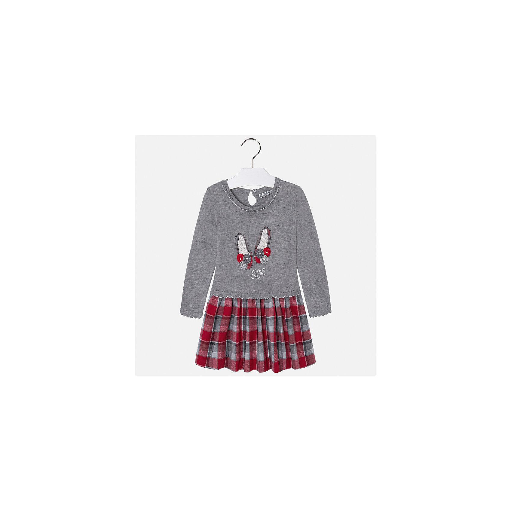 Платье Mayoral для девочкиОсенне-зимние платья и сарафаны<br>Характеристики товара:<br><br>• цвет: серый<br>• состав ткани: верх - 33% полиэстер, 23% акрил, 23% полиамид, 18% хлопок, 3% ангора; низ - 50% полиэстер, 50% хлопок<br>• сезон: круглый год<br>• длинные рукава<br>• стразы<br>• застежка: пуговица<br>• страна бренда: Испания<br>• страна изготовитель: Индия<br><br>Такое детское платье отличается интересным фасоном и отделкой. Оригинальное детское платье от бренда Майорал поможет девочке выглядеть красиво и чувствовать себя комфортно. <br><br>Для производства детской одежды популярный бренд Mayoral использует только качественную фурнитуру и материалы. Оригинальные и модные вещи от Майорал неизменно привлекают внимание и нравятся детям.<br><br>Платье для девочки Mayoral (Майорал) можно купить в нашем интернет-магазине.<br><br>Ширина мм: 236<br>Глубина мм: 16<br>Высота мм: 184<br>Вес г: 177<br>Цвет: серый<br>Возраст от месяцев: 96<br>Возраст до месяцев: 108<br>Пол: Женский<br>Возраст: Детский<br>Размер: 134,98,104,110,116,122,128<br>SKU: 6923240