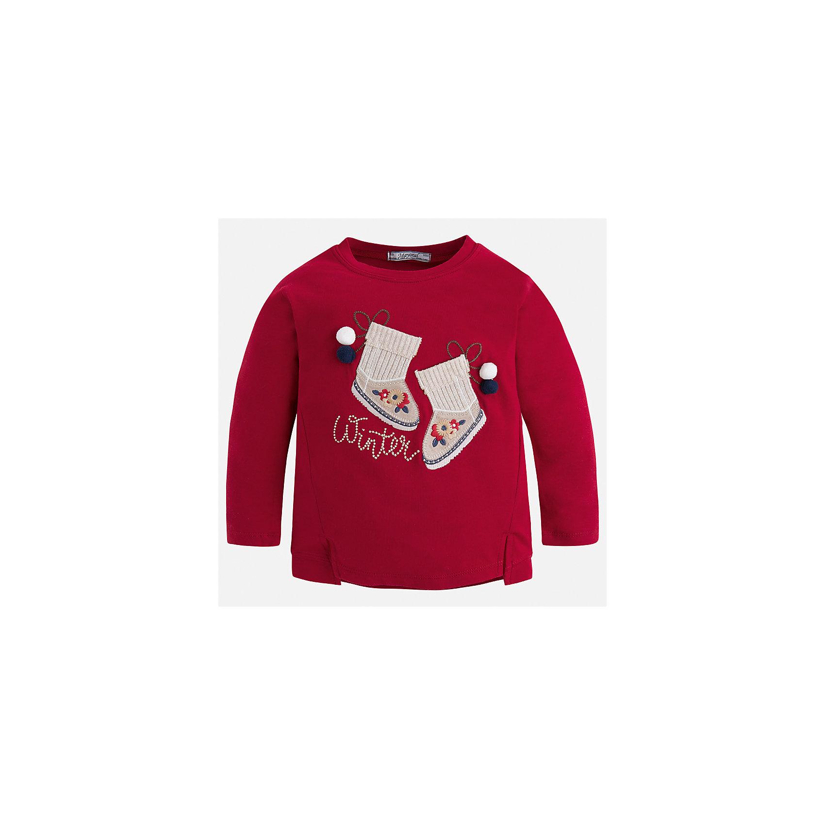 Футболка с длинным рукавом Mayoral для девочкиФутболки с длинным рукавом<br>Характеристики товара:<br><br>• цвет: красный<br>• состав ткани: 95% хлопок, 5% эластан<br>• сезон: круглый год<br>• длинные рукава<br>• страна бренда: Испания<br>• страна изготовитель: Китай<br><br>Эта футболка отличается свободным силуэтом и интересной отделкой. Стильная футболка с длинным рукавом для девочки от бренда Майорал поможет девочке выглядеть модно и чувствовать себя комфортно. <br><br>Для производства детской одежды популярный бренд Mayoral использует только качественную фурнитуру и материалы. Оригинальные и модные вещи от Майорал неизменно привлекают внимание и нравятся детям.<br><br>Футболку с длинным рукавом для девочки Mayoral (Майорал) можно купить в нашем интернет-магазине.<br><br>Ширина мм: 230<br>Глубина мм: 40<br>Высота мм: 220<br>Вес г: 250<br>Цвет: красный<br>Возраст от месяцев: 96<br>Возраст до месяцев: 108<br>Пол: Женский<br>Возраст: Детский<br>Размер: 134,98,104,110,116,122,128<br>SKU: 6923878