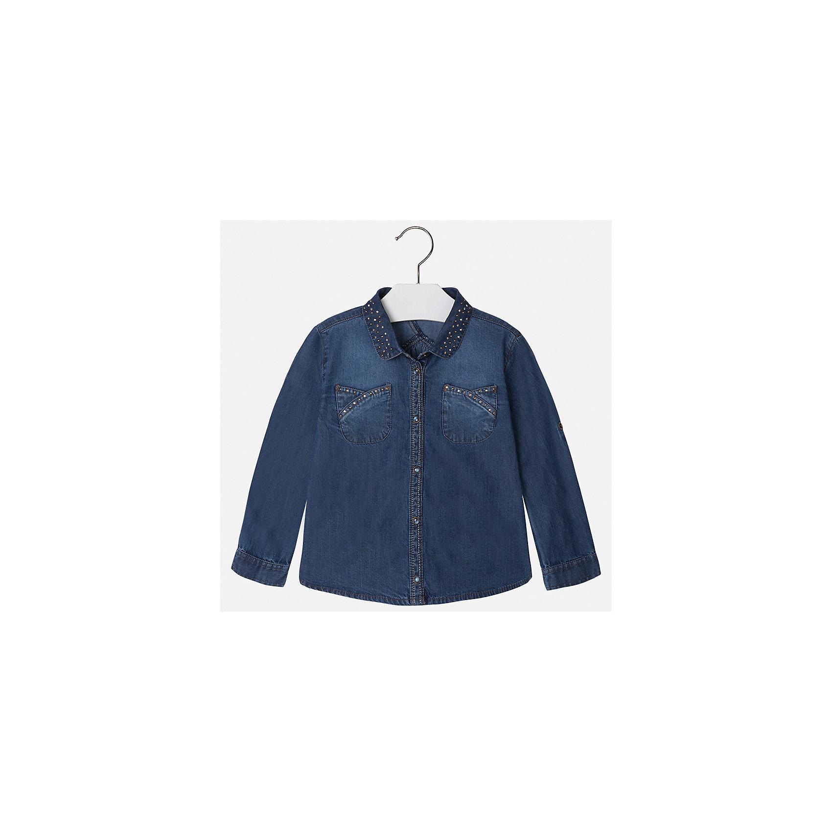 Блузка для девочки MayoralБлузки и рубашки<br>Характеристики товара:<br><br>• цвет: голубой<br>• состав ткани: 100% хлопок<br>• сезон: круглый год<br>• застежка: кнопки<br>• стразы<br>• длинные рукава<br>• страна бренда: Испания<br>• страна изготовитель: Индия<br><br>Джинсовая блузка со стразами может стать основой гардероба современной девочки. Красивая и удобная блузка для девочки сшита из легкого качественного материала. <br><br>Детская одежда от испанской компании Mayoral отличаются оригинальным и всегда стильным дизайном. Качество продукции неизменно очень высокое.<br><br>Блузку для девочки Mayoral (Майорал) можно купить в нашем интернет-магазине.<br><br>Ширина мм: 186<br>Глубина мм: 87<br>Высота мм: 198<br>Вес г: 197<br>Цвет: голубой<br>Возраст от месяцев: 96<br>Возраст до месяцев: 108<br>Пол: Женский<br>Возраст: Детский<br>Размер: 134,98,104,110,116,122,128<br>SKU: 6923984