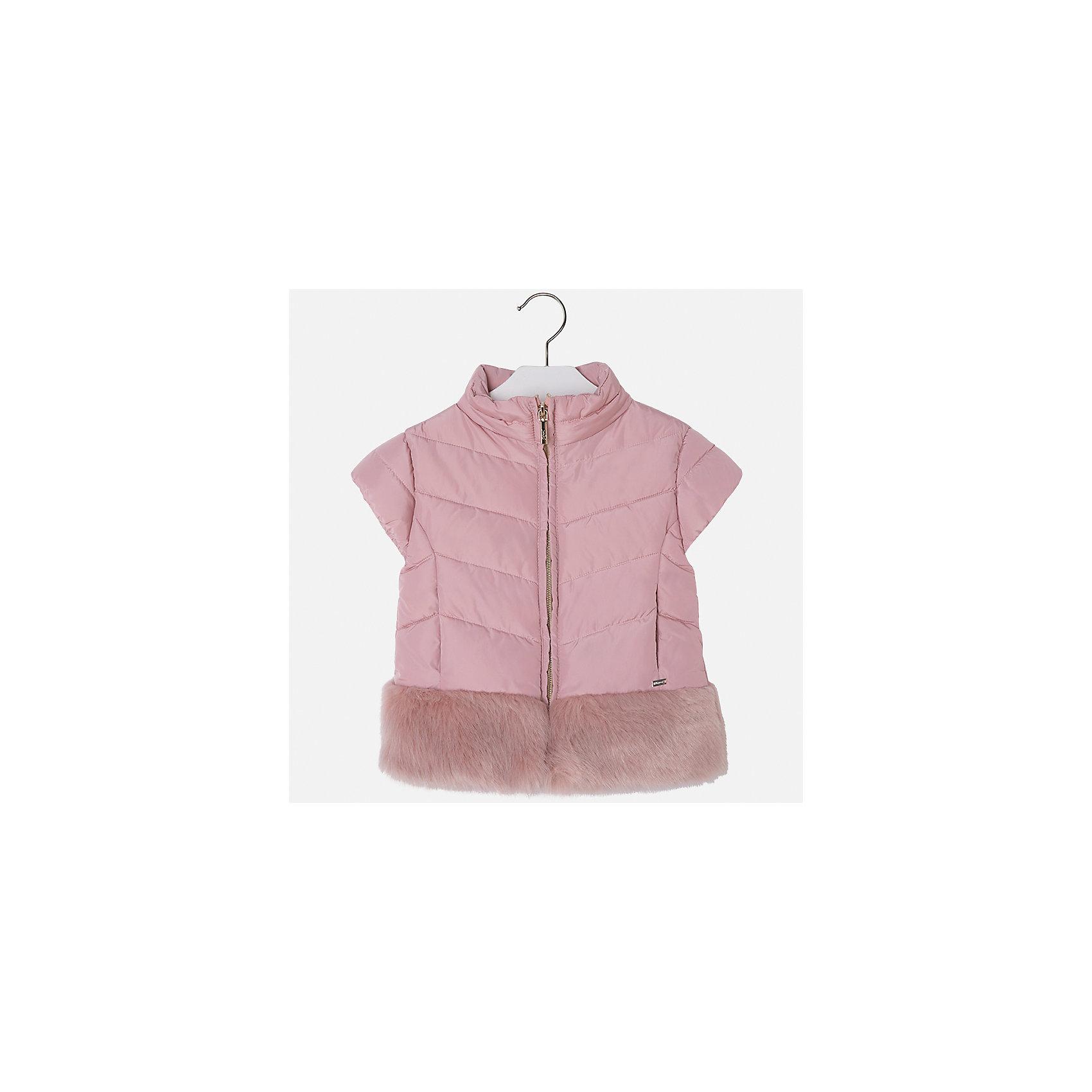 Жилет для девочки MayoralВерхняя одежда<br>Характеристики товара:<br><br>• цвет: розовый<br>• состав ткани: 70% полиэстер, 30% акрил, подклад - 100% нейлон, утеплитель -100% полиэстер<br>• застежка: молния<br>• короткие рукава<br>• сезон: круглый год<br>• страна бренда: Испания<br>• страна изготовитель: Индия<br><br>Теплый жилет для девочки сможет обеспечить тепло зимой или в прохладный летний вечер. Модель сделана из качественного материала, особенно эффектно смотрится отделка из искусственного меха. Модный жилет от Майорал - это пример отличного вкуса и высокого качества. <br><br>В одежде от испанской компании Майорал ребенок будет выглядеть модно, а чувствовать себя - комфортно. Целая команда европейских талантливых дизайнеров работает над созданием стильных и оригинальных моделей одежды.<br><br>Жилет для девочки Mayoral (Майорал) можно купить в нашем интернет-магазине.<br><br>Ширина мм: 190<br>Глубина мм: 74<br>Высота мм: 229<br>Вес г: 236<br>Цвет: розовый<br>Возраст от месяцев: 96<br>Возраст до месяцев: 108<br>Пол: Женский<br>Возраст: Детский<br>Размер: 134,104,110,116,122,128<br>SKU: 6924347