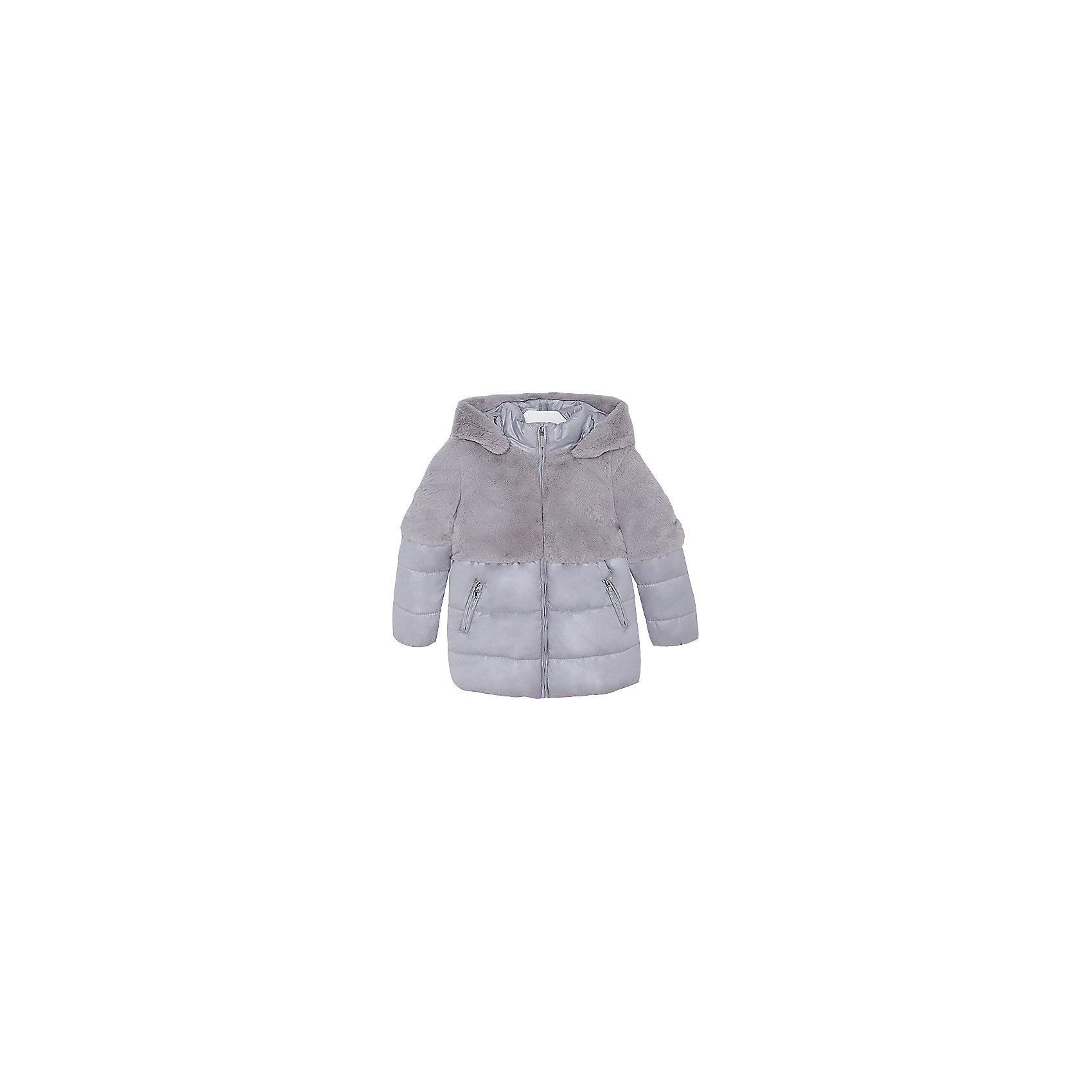 Куртка Mayoral для девочкиВерхняя одежда<br>Характеристики товара:<br><br>• цвет: серый<br>• состав ткани: 58% полиэстер, 42% акрил, подклад - 65% полиэстер, 35% акрил, утеплитель - 100% полиэстер<br>• застежка: молния<br>• длинные рукава<br>• сезон: демисезон<br>• температурный режим: от 0 до -10С<br>• страна бренда: Испания<br>• страна изготовитель: Индия<br><br>Стильная куртка сделана из качественного материала, декорирована оригинальной отделкой. Такая куртка для девочки от бренда Майорал поможет ребенку выглядеть модно и чувствовать себя комфортно. <br><br>Для производства детской одежды популярный бренд Mayoral использует только качественную фурнитуру и материалы. Оригинальные и модные вещи от Майорал неизменно привлекают внимание и нравятся детям.<br><br>Куртку для девочки Mayoral (Майорал) можно купить в нашем интернет-магазине.<br><br>Ширина мм: 356<br>Глубина мм: 10<br>Высота мм: 245<br>Вес г: 519<br>Цвет: белый<br>Возраст от месяцев: 96<br>Возраст до месяцев: 108<br>Пол: Женский<br>Возраст: Детский<br>Размер: 134,92,98,104,110,116,122,128<br>SKU: 6924429