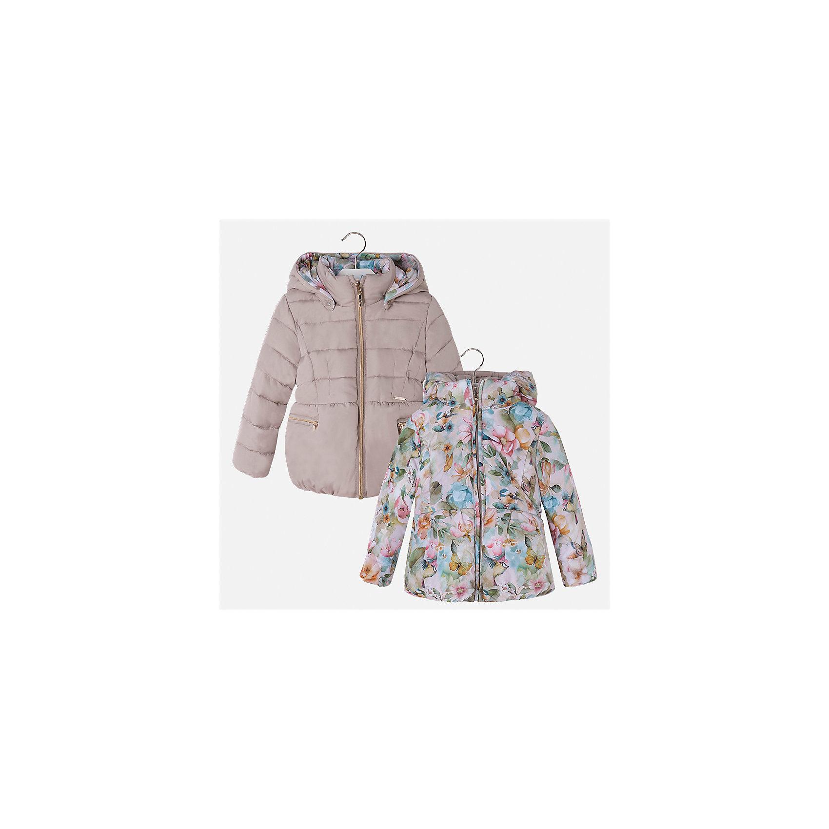 Куртка Mayoral для девочкиВерхняя одежда<br>Характеристики товара:<br><br>• цвет: коричневый<br>• состав ткани: 100% полиамид, подклад - 100% полиэстер, утеплитель - 100% полиэстер<br>• застежка: молния<br>• длинные рукава<br>• двусторонняя<br>• сезон: демисезон<br>• температурный режим: от 0 до -10С<br>• страна бренда: Испания<br>• страна изготовитель: Китай<br><br>Двусторонняя куртка для девочки эффектно смотрится благодаря приталенному силуэту. Модная куртка от Майорал - это пример отличного вкуса и высокого качества. <br><br>В одежде от испанской компании Майорал ребенок будет выглядеть модно, а чувствовать себя - комфортно. Целая команда европейских талантливых дизайнеров работает над созданием стильных и оригинальных моделей одежды.<br><br>Куртку для девочки Mayoral (Майорал) можно купить в нашем интернет-магазине.<br><br>Ширина мм: 356<br>Глубина мм: 10<br>Высота мм: 245<br>Вес г: 519<br>Цвет: коричневый<br>Возраст от месяцев: 18<br>Возраст до месяцев: 24<br>Пол: Женский<br>Возраст: Детский<br>Размер: 92,128,134,98,104,110,116,122<br>SKU: 6924465