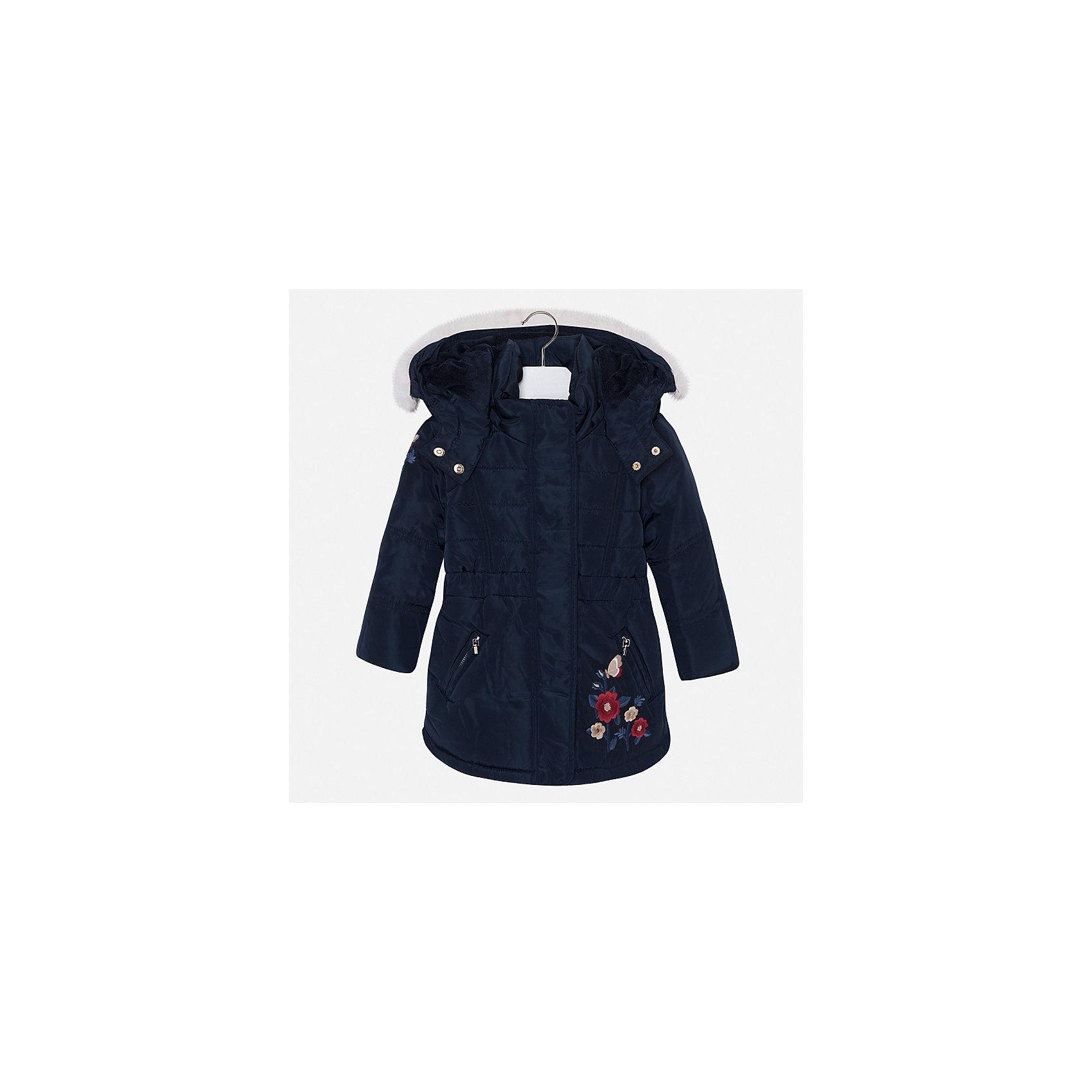 Куртка для девочки MayoralВерхняя одежда<br>Характеристики товара:<br><br>• цвет: черный<br>• состав ткани: 100% полиэстер, подклад - 100% полиэстер, утеплитель - 100% полиэстер<br>• застежка: молния<br>• длинные рукава<br>• опушка капюшона<br>• сезон: демисезон<br>• температурный режим: от 0 до -10С<br>• страна бренда: Испания<br>• страна изготовитель: Китай<br><br>Куртка от Mayoral соответствует новейшим тенденциям молодежной моды. Эта практичная и красивая куртка обеспечит ребенку тепло в межсезонье и небольшие морозы. Капюшон отстегивается. <br><br>Детская одежда от испанской компании Mayoral отличаются оригинальным и всегда стильным дизайном. Качество продукции неизменно очень высокое.<br><br>Куртку для девочки Mayoral (Майорал) можно купить в нашем интернет-магазине.<br><br>Ширина мм: 356<br>Глубина мм: 10<br>Высота мм: 245<br>Вес г: 519<br>Цвет: темно-синий<br>Возраст от месяцев: 96<br>Возраст до месяцев: 108<br>Пол: Женский<br>Возраст: Детский<br>Размер: 134,92,98,104,110,116,122,128<br>SKU: 6924551