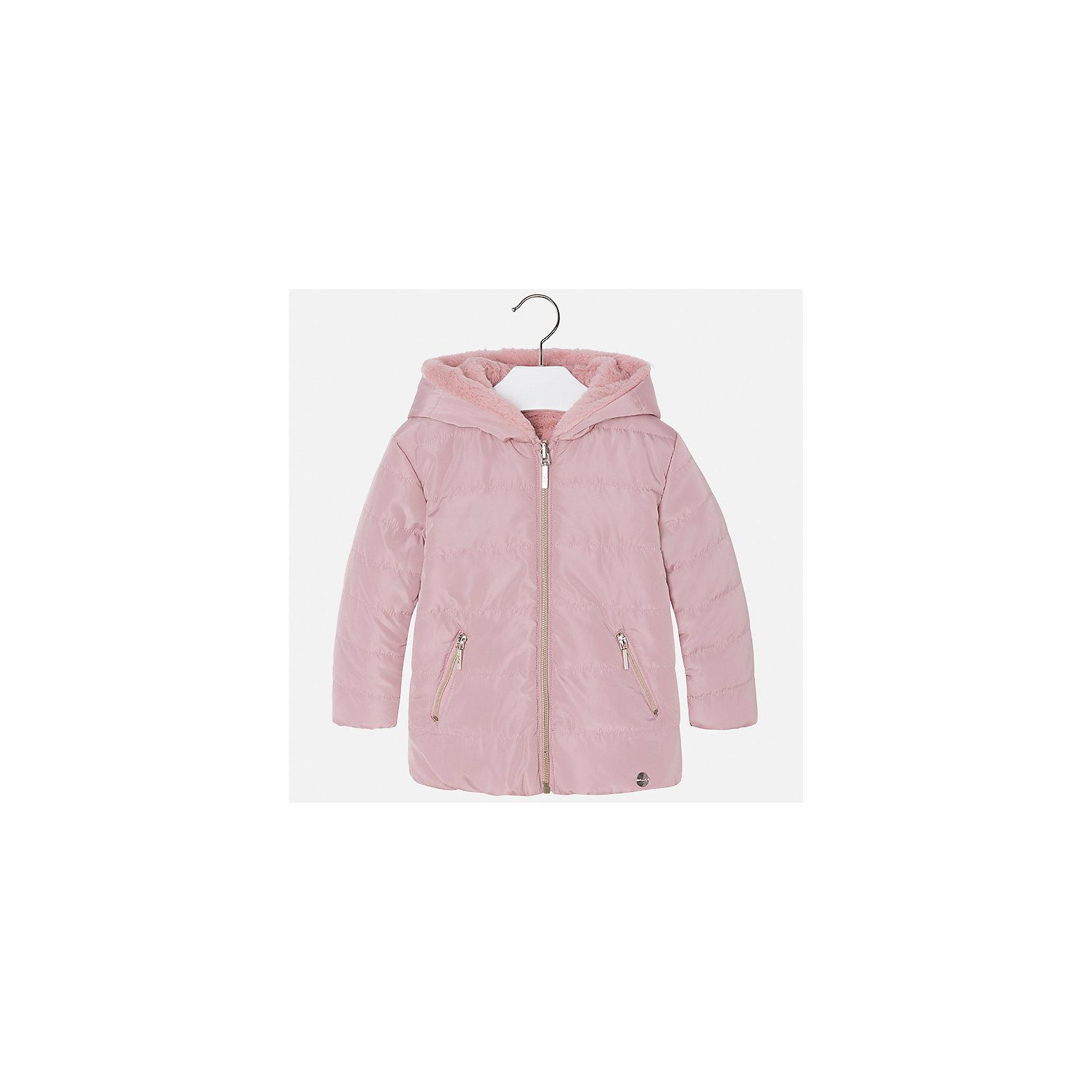 Куртка Mayoral для девочкиВерхняя одежда<br>Характеристики товара:<br><br>• цвет: розовый<br>• состав ткани: 100% полиамид, подклад - 100% полиэстер, утеплитель - 100% полиэстер<br>• застежка: молния<br>• капюшон<br>• двусторонняя<br>• сезон: демисезон<br>• температурный режим: от 0 до -10С<br>• страна бренда: Испания<br>• страна изготовитель: Китай<br><br>Такая куртка легко выворачивается на изнанку - и получается еще одна модель верхней одежды другой фактуры. Куртка от Mayoral соответствует новейшим тенденциям молодежной моды. <br><br>Детская одежда от испанской компании Mayoral отличаются оригинальным и всегда стильным дизайном. Качество продукции неизменно очень высокое.<br><br>Куртку для девочки Mayoral (Майорал) можно купить в нашем интернет-магазине.<br><br>Ширина мм: 356<br>Глубина мм: 10<br>Высота мм: 245<br>Вес г: 519<br>Цвет: розовый<br>Возраст от месяцев: 96<br>Возраст до месяцев: 108<br>Пол: Женский<br>Возраст: Детский<br>Размер: 134,92,98,104,110,116,122,128<br>SKU: 6924578