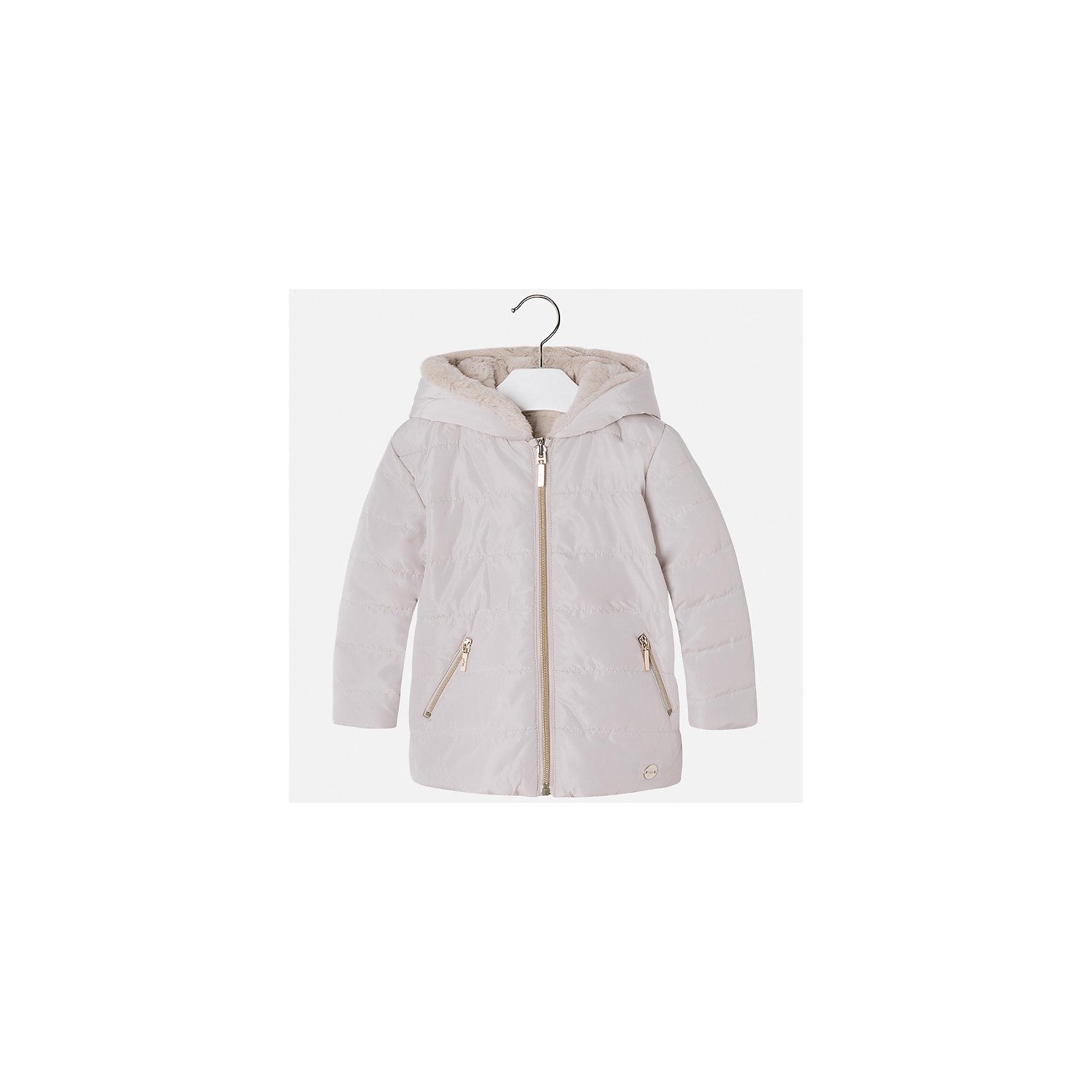 Куртка Mayoral для девочкиДемисезонные куртки<br>Характеристики товара:<br><br>• цвет: бежевый<br>• состав ткани: 100% полиамид, подклад - 100% полиэстер, утеплитель - 100% полиэстер<br>• застежка: молния<br>• капюшон<br>• двусторонняя<br>• сезон: демисезон<br>• температурный режим: от 0 до -10С<br>• страна бренда: Испания<br>• страна изготовитель: Китай<br><br>Розовая двусторонняя куртка красивой расцветки сделана из качественного материала. Такая куртка для девочки от бренда Майорал поможет ребенку выглядеть модно и чувствовать себя комфортно. <br><br>Для производства детской одежды популярный бренд Mayoral использует только качественную фурнитуру и материалы. Оригинальные и модные вещи от Майорал неизменно привлекают внимание и нравятся детям.<br><br>Куртку для девочки Mayoral (Майорал) можно купить в нашем интернет-магазине.<br><br>Ширина мм: 356<br>Глубина мм: 10<br>Высота мм: 245<br>Вес г: 519<br>Цвет: бежевый<br>Возраст от месяцев: 48<br>Возраст до месяцев: 60<br>Пол: Женский<br>Возраст: Детский<br>Размер: 110,116,92,122,98,128,134,104<br>SKU: 6924587