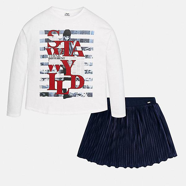 Комплект: блузка и юбка Mayoral для девочкиКомплекты<br>Характеристики товара:<br><br>• цвет: белый, синий<br>• комплектация: юбка, блузка<br>• состав ткани юбки: 100% полиэстер<br>• состав ткани блузки: 50% хлопок, 50% полиэстер<br>• длинные рукава<br>• сезон: круглый год<br>• страна бренда: Испания<br>• страна изготовитель: Индия<br><br>Комплект от известного испанского бренда Mayoral состоит из белой блузки с принтом и плиссированной юбки. Они отлично сочетаются между собой, а также с другими вещами.<br><br>Для производства детской одежды популярный бренд Mayoral используют только качественную фурнитуру и материалы. Оригинальные и модные вещи от Майорал неизменно привлекают внимание и нравятся детям.<br><br>Комплект: блузка и юбка для девочки Mayoral (Майорал) можно купить в нашем интернет-магазине.<br>Ширина мм: 207; Глубина мм: 10; Высота мм: 189; Вес г: 183; Цвет: темно-синий; Возраст от месяцев: 144; Возраст до месяцев: 156; Пол: Женский; Возраст: Детский; Размер: 158,170,128/134,140,152,164; SKU: 6925337;