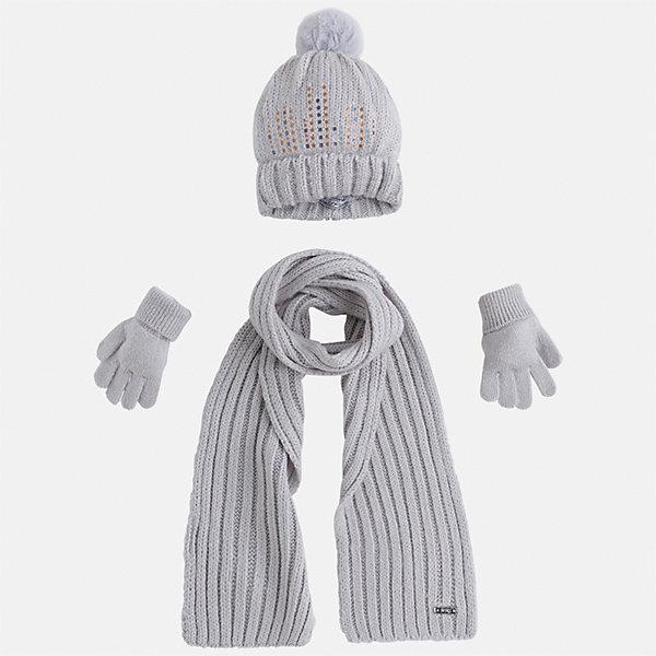 Комплект: шапка, шарф и перчатки для девочки MayoralШарфы, платки<br>Характеристики товара:<br><br>• цвет: белый<br>• состав ткани: 100% акрил<br>• сезон: демисезон<br>• комплектация: шапка, шарф, перчатки<br>• страна бренда: Испания<br>• страна изготовитель: Индия<br><br>Этот набор поможет обеспечить ребенку тепло и комфорт. Детский комплект для межсезонья от бренда Майорал смотрится модно и оригинально.<br><br>Детская одежда от испанской компании Mayoral отличаются оригинальным и всегда стильным дизайном. Качество продукции неизменно очень высокое.<br><br>Комплект: шапка, шарф и перчатки для девочки Mayoral (Майорал) можно купить в нашем интернет-магазине.<br>Ширина мм: 89; Глубина мм: 117; Высота мм: 44; Вес г: 155; Цвет: белый; Возраст от месяцев: 24; Возраст до месяцев: 36; Пол: Женский; Возраст: Детский; Размер: 50,54,52; SKU: 6925631;