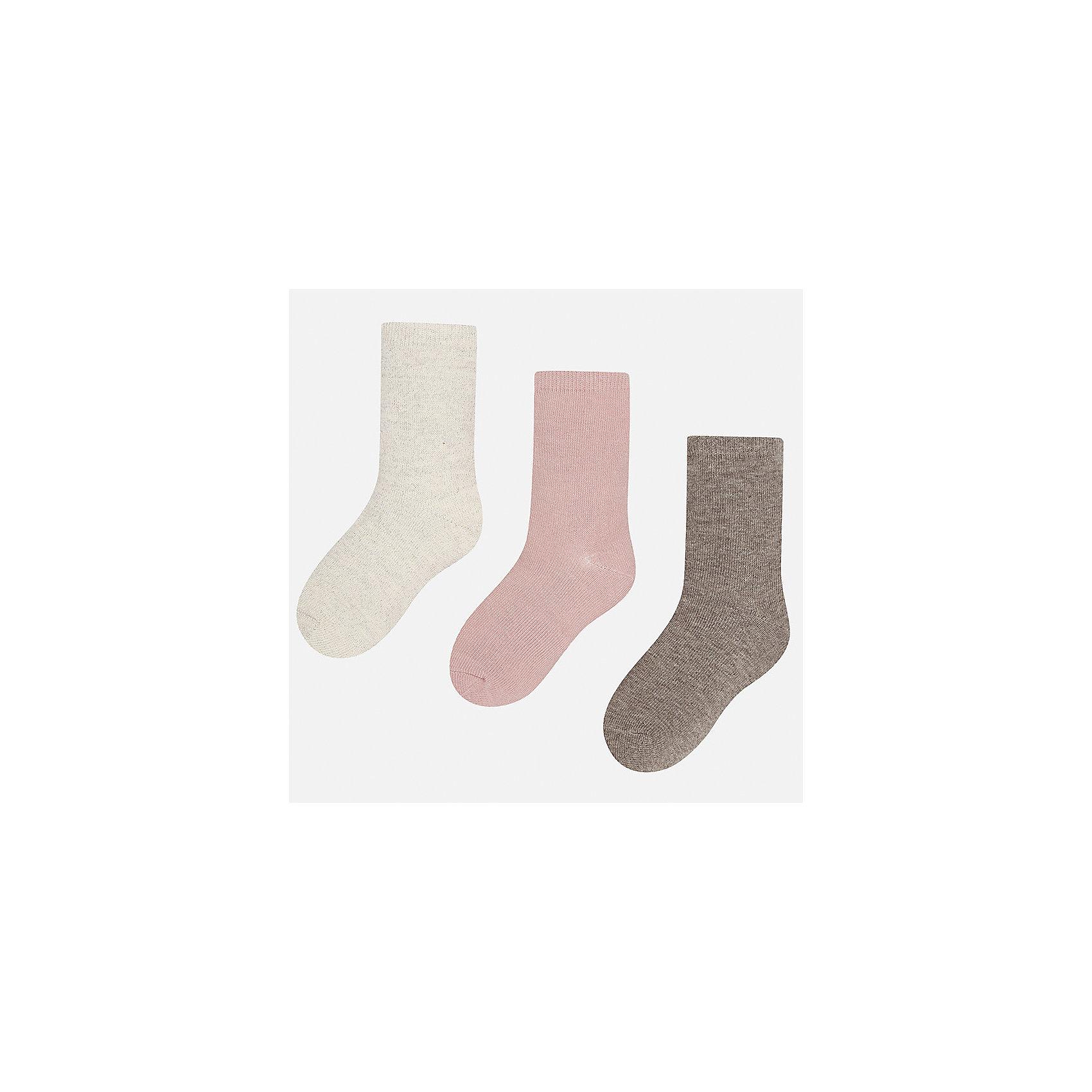 Носки (3 пары) Mayoral для девочкиНоски<br>Характеристики товара:<br><br>• цвет: розовый<br>• состав ткани: 74% хлопок, 20% полиэстер, 3% полиамид, 3% эластан<br>• сезон: круглый год<br>• комплектация: 3 пары<br>• страна бренда: Испания<br>• страна изготовитель: Индия<br><br>Три пары разноцветных носков от Mayoral обеспечат ребенку тепло и комфорт. Носки для девочки от Майорал аккуратно смотрятся, они не давят на ногу и хорошо держатся благодаря мягкой резинке и качественному материалу. <br><br>Детская одежда от испанской компании Mayoral отличаются оригинальным и всегда стильным дизайном. Качество продукции неизменно очень высокое.<br><br>Носки (3 пары) для девочки Mayoral (Майорал) можно купить в нашем интернет-магазине.<br><br>Ширина мм: 87<br>Глубина мм: 10<br>Высота мм: 105<br>Вес г: 115<br>Цвет: розовый<br>Возраст от месяцев: 216<br>Возраст до месяцев: 1188<br>Пол: Женский<br>Возраст: Детский<br>Размер: 41/42,33-35,35/36,36/37,37/38,38/39<br>SKU: 6925679