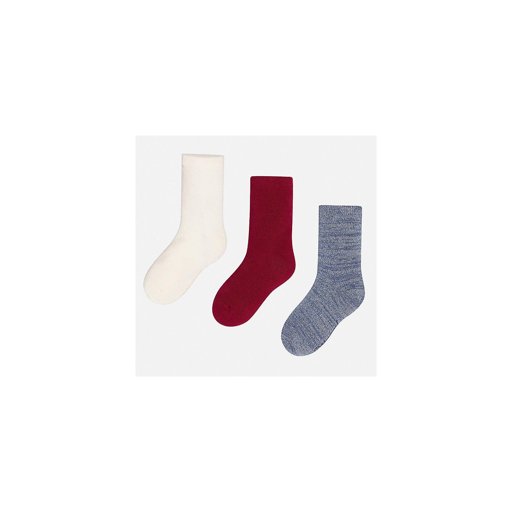 Носки (3 пары) для девочки MayoralНоски<br>Характеристики товара:<br><br>• цвет: красный<br>• состав ткани: 74% хлопок, 20% полиэстер, 3% полиамид, 3% эластан<br>• сезон: круглый год<br>• комплектация: 3 пары<br>• страна бренда: Испания<br>• страна изготовитель: Индия<br><br>Детский комплект из трех пар носков смотрится аккуратно и стильно. Носки для девочки от бренда Mayoral помогут обеспечить комфорт в и тепло. <br><br>Для производства детской одежды популярный бренд Mayoral используют только качественную фурнитуру и материалы. Оригинальные и модные вещи от Майорал неизменно привлекают внимание и нравятся детям.<br><br>Носки (3 пары) для девочки Mayoral (Майорал) можно купить в нашем интернет-магазине.<br><br>Ширина мм: 87<br>Глубина мм: 10<br>Высота мм: 105<br>Вес г: 115<br>Цвет: красный<br>Возраст от месяцев: 216<br>Возраст до месяцев: 1188<br>Пол: Женский<br>Возраст: Детский<br>Размер: 41/42,33-35,35/36,36/37,37/38,38/39<br>SKU: 6925686