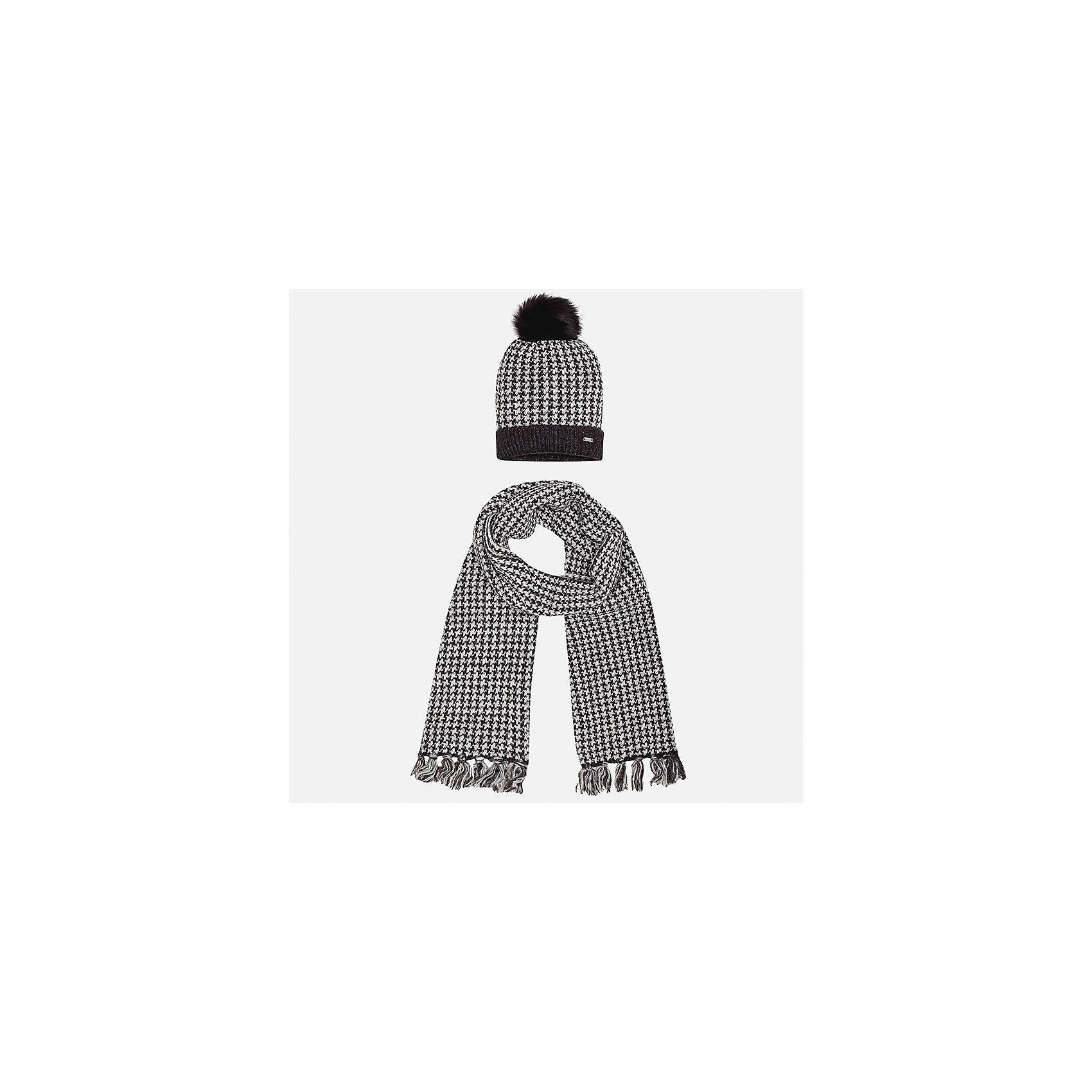 Комплект: шапка и шарф Mayoral для девочкиШарфы, платки<br>Характеристики товара:<br><br>• цвет: черный<br>• состав ткани: 75% акрил, 25% полиамид<br>• сезон: демисезон<br>• комплектация: шапка, шарф<br>• страна бренда: Испания<br>• страна изготовитель: Индия<br><br>Этот стильный черно-белый набор поможет обеспечить ребенку тепло и комфорт. Детский комплект для межсезонья от бренда Майорал смотрится модно и оригинально.<br><br>Детская одежда от испанской компании Mayoral отличаются оригинальным и всегда стильным дизайном. Качество продукции неизменно очень высокое.<br><br>Комплект: шапка и шарф для девочки Mayoral (Майорал) можно купить в нашем интернет-магазине.<br><br>Ширина мм: 89<br>Глубина мм: 117<br>Высота мм: 44<br>Вес г: 155<br>Цвет: черный<br>Возраст от месяцев: 96<br>Возраст до месяцев: 120<br>Пол: Женский<br>Возраст: Детский<br>Размер: 56,52,54<br>SKU: 6925700