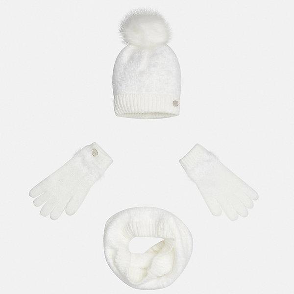 Комплект: шапка, шарф и перчатки для девочки MayoralКомплекты<br>Характеристики товара:<br><br>• цвет: бежевый<br>• состав ткани: 86% полиамид, 14% акрил<br>• сезон: демисезон<br>• комплектация: шапка, шарф, перчатки<br>• страна бренда: Испания<br>• страна изготовитель: Индия<br><br>Этот стильный пушистый набор поможет обеспечить ребенку тепло и комфорт. Детский комплект для межсезонья от бренда Майорал смотрится модно и оригинально.<br><br>Детская одежда от испанской компании Mayoral отличаются оригинальным и всегда стильным дизайном. Качество продукции неизменно очень высокое.<br><br>Комплект: шапка, шарф и перчатки для девочки Mayoral (Майорал) можно купить в нашем интернет-магазине.<br>Ширина мм: 89; Глубина мм: 117; Высота мм: 44; Вес г: 155; Цвет: белый; Возраст от месяцев: 96; Возраст до месяцев: 120; Пол: Женский; Возраст: Детский; Размер: 56,52,54; SKU: 6925712;