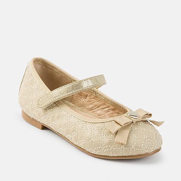 Туфли Mayoral для девочкиНарядная обувь<br>Характеристики товара:<br><br>• цвет: бежевый<br>• внешний материал: полиуретан<br>• внутренний материал: натуральная кожа, полиуретан<br>• стелька: натуральная кожа<br>• подошва: полимер<br>• сезон: круглый год<br>• особенности модели: школьная, нарядная<br>• застежка: липучка<br>• анатомические <br>• страна бренда: Испания<br>• страна изготовитель: Китай<br><br>Бежевые школьные туфли с подкладкой из натуральной кожи декорированы бантом. Удобные туфли для девочки Mayoral легко надеваются и хорошо держатся на ноге благодаря удобной липучке. <br><br>Детская одежда и обувь от испанской компании Mayoral отличаются оригинальным и всегда стильным дизайном. Качество продукции неизменно очень высокое.<br><br>Туфли для девочки Mayoral можно купить в нашем интернет-магазине.<br>Ширина мм: 227; Глубина мм: 145; Высота мм: 124; Вес г: 325; Цвет: бежевый; Возраст от месяцев: 36; Возраст до месяцев: 48; Пол: Женский; Возраст: Детский; Размер: 27,26,38,37,36,35,34,33,32,31,30,29,28; SKU: 6925748;