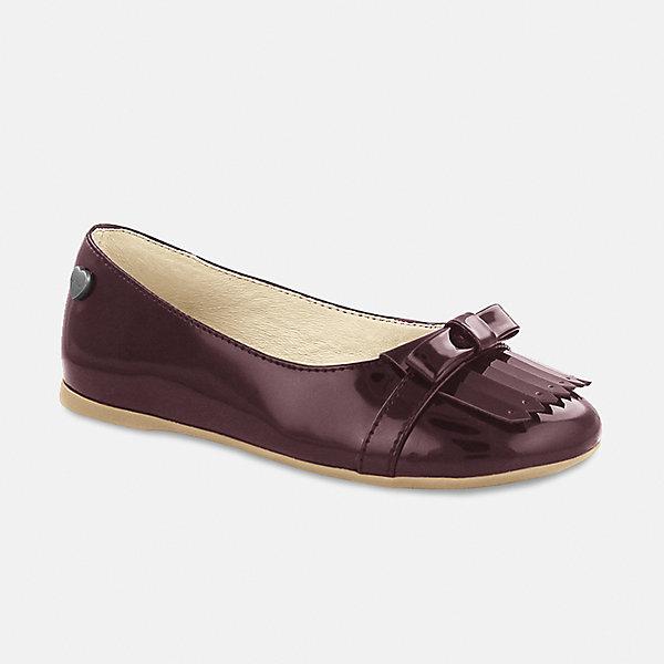 Туфли для девочки MayoralНарядная обувь<br>Характеристики товара:<br><br>• цвет: бордовый<br>• внешний материал: полиуретан<br>• внутренний материал: натуральная кожа<br>• стелька: натуральная кожа<br>• подошва: полимер<br>• сезон: лето<br>• особенности модели: нарядная, лакированная<br>• застежка: резинка<br>• анатомические <br>• страна бренда: Испания<br>• страна изготовитель: Китай<br><br>Правильная детская обувь должна быть удобной и красивой, как эти туфли для девочки. Оригинальные детские туфли от бренда Mayoral - отличный вариант нарядной обуви. Для производства детской обуви популярный бренд Mayoral использует только качественную фурнитуру и материалы.<br><br>Туфли Mayoral (Майорал) для девочки можно купить в нашем интернет-магазине.<br>Ширина мм: 227; Глубина мм: 145; Высота мм: 124; Вес г: 325; Цвет: красный; Возраст от месяцев: 84; Возраст до месяцев: 96; Пол: Женский; Возраст: Детский; Размер: 31,35,34,33,32; SKU: 6925910;