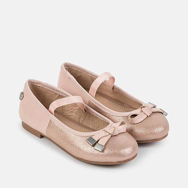Туфли для девочки MayoralНарядная обувь<br>Характеристики товара:<br><br>• цвет: бежевый<br>• внешний материал: полиуретан<br>• внутренний материал: натуральная кожа, полиуретан<br>• стелька: натуральная кожа<br>• подошва: полимер<br>• сезон: круглый год<br>• особенности модели: школьная, нарядная<br>• застежка: нет<br>• анатомические <br>• страна бренда: Испания<br>• страна изготовитель: Китай<br><br>Нарядные бежевые школьные туфли с подкладкой из натуральной кожи украшены бантом. Удобные туфли для девочки Mayoral легко надеваются и хорошо держатся на ноге благодаря резинке-фиксатору. <br><br>Детская одежда и обувь от испанской компании Mayoral отличаются оригинальным и всегда стильным дизайном. Качество продукции неизменно очень высокое.<br><br>Туфли для девочки Mayoral можно купить в нашем интернет-магазине.<br>Ширина мм: 227; Глубина мм: 145; Высота мм: 124; Вес г: 325; Цвет: бежевый; Возраст от месяцев: 132; Возраст до месяцев: 144; Пол: Женский; Возраст: Детский; Размер: 35,31,34,33,32; SKU: 6925922;