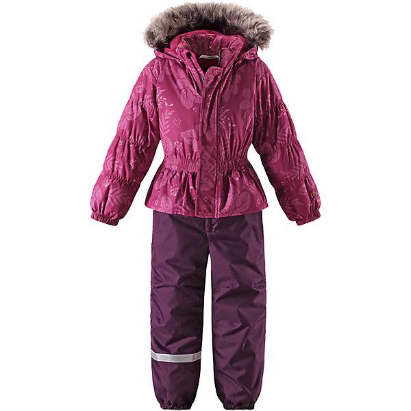 Комбинезон Lassie для девочкиОдежда<br>Характеристики товара:<br><br>• цвет: розовый;<br>• состав: 100% полиэстер, полиуретановое покрытие;<br>• подкладка: 100% полиэстер;<br>• утеплитель: 180 г/м2;<br>• сезон: зима;<br>• температурный режим: от 0 до -20С;<br>• водонепроницаемость: 1000 мм;<br>• воздухопроницаемость: 1000/2000 мм;<br>• износостойкость: 15000/50000 циклов (тест Мартиндейла)<br>• застежка: молния с дополнительной защитной планкой;<br>• водоотталкивающий, ветронепроницаемый и дышащий материал;<br>• задний серединный шов проклеен;<br>• гладкая подкладка из полиэстера;<br>• безопасный съемный капюшон; <br>• съемный искусственный мех на капюшоне;<br>• эластичная талия, манжеты рукавов и низ штанин;<br>• съемные эластичные штрипки;<br>• боковые карманы;<br>• декоративные оборки;<br>• светоотражающие детали;<br>• страна бренда: Финляндия;<br>• страна изготовитель: Китай;<br><br>Зимний комбинезон на молнии. Съемный капюшон безопасен и практичен, а съемные штрипки не дают брючинам задираться.  Капюшон отделан меховой опушкой из искуственного меха, опушка отстегивается. <br><br>Комбинезон Lassie (Ласси) можно купить в нашем интернет-магазине.<br>Ширина мм: 356; Глубина мм: 10; Высота мм: 245; Вес г: 519; Цвет: розовый; Возраст от месяцев: 18; Возраст до месяцев: 24; Пол: Женский; Возраст: Детский; Размер: 92,104,98,128,122,116,110; SKU: 6927399;